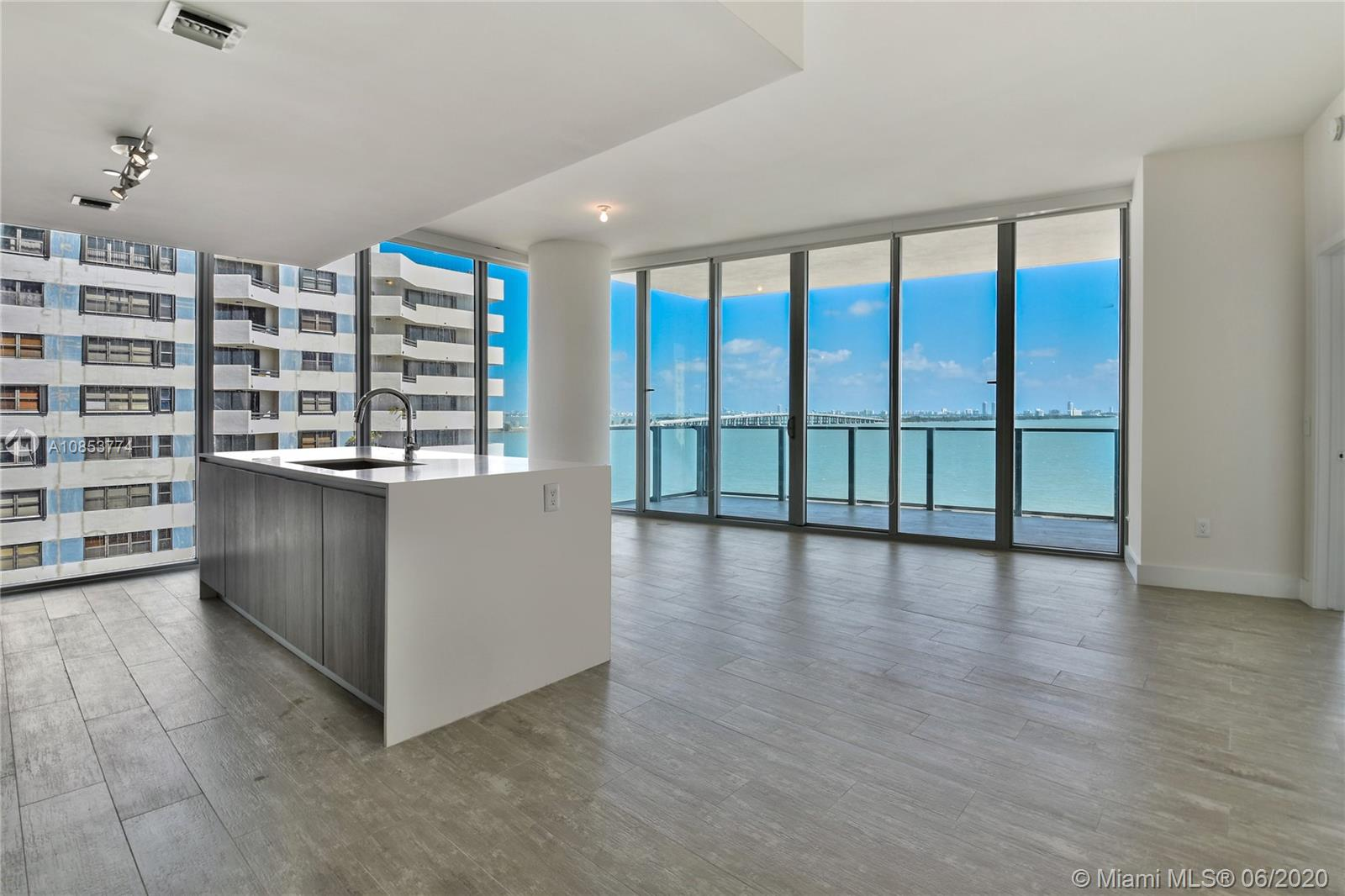 Photo of 2900 NE 7 Ave #802 listing for Sale