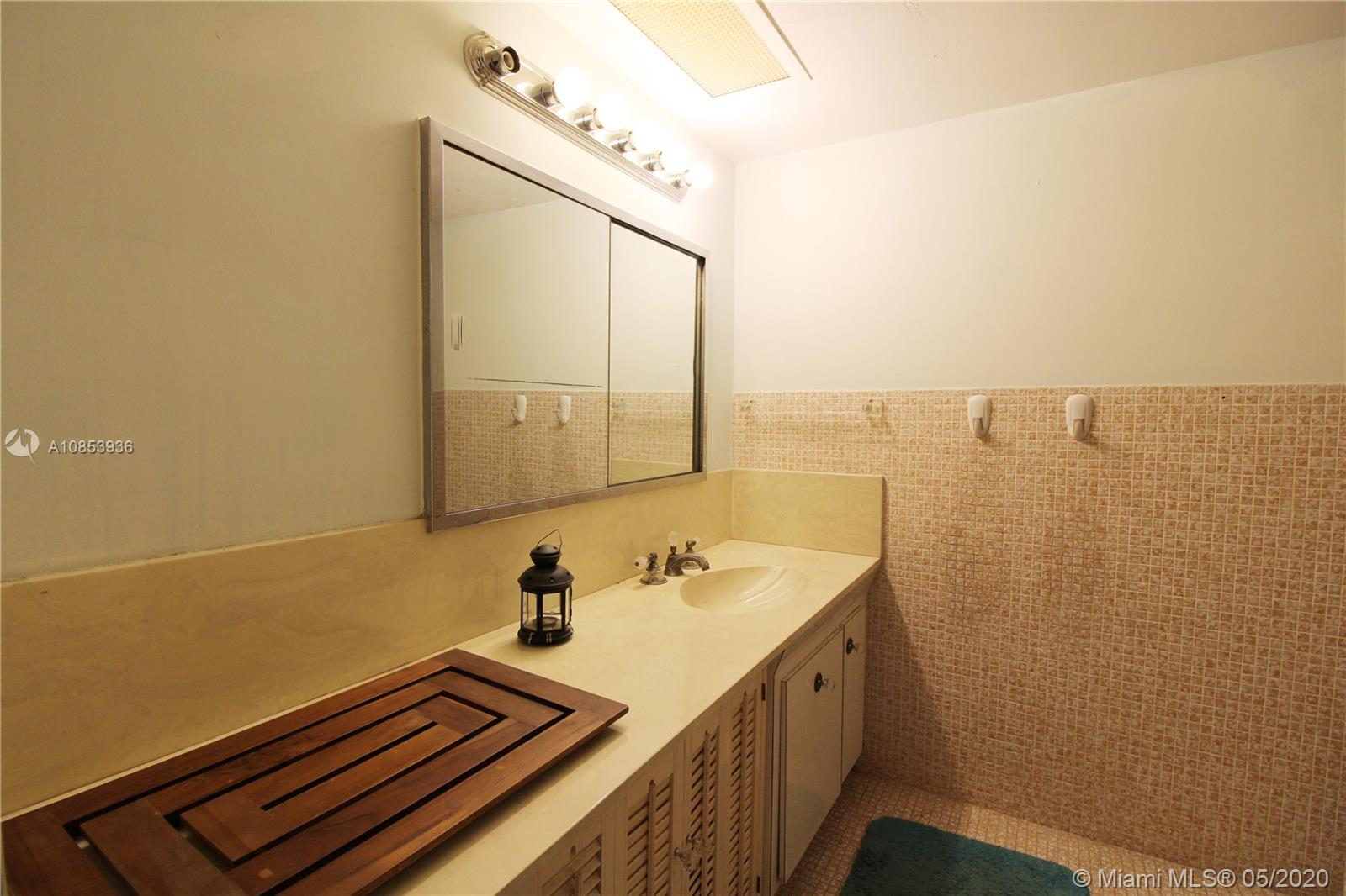 5255 Collins Ave #9B photo010
