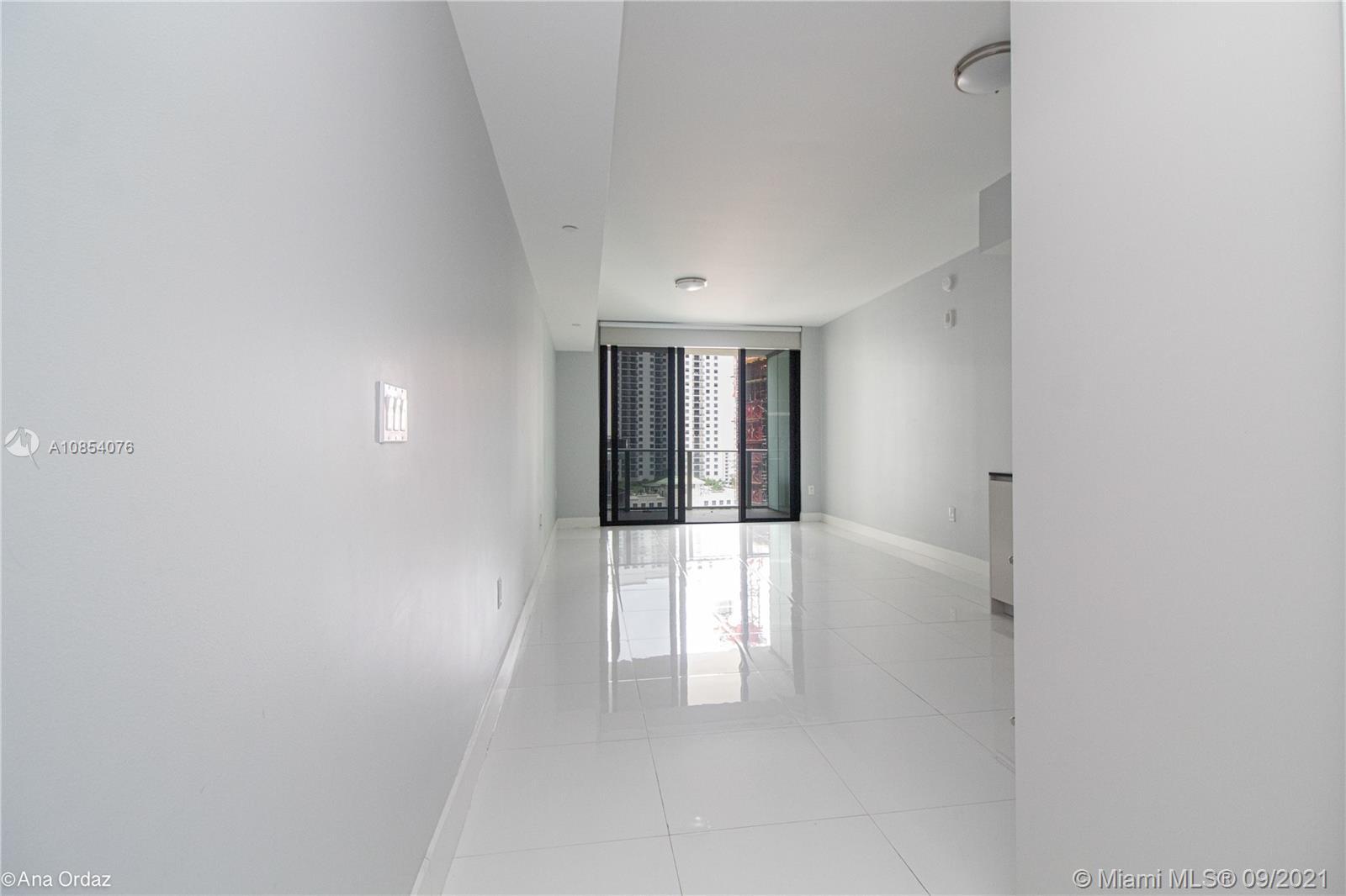 1010 Brickell Ave #1810 photo03