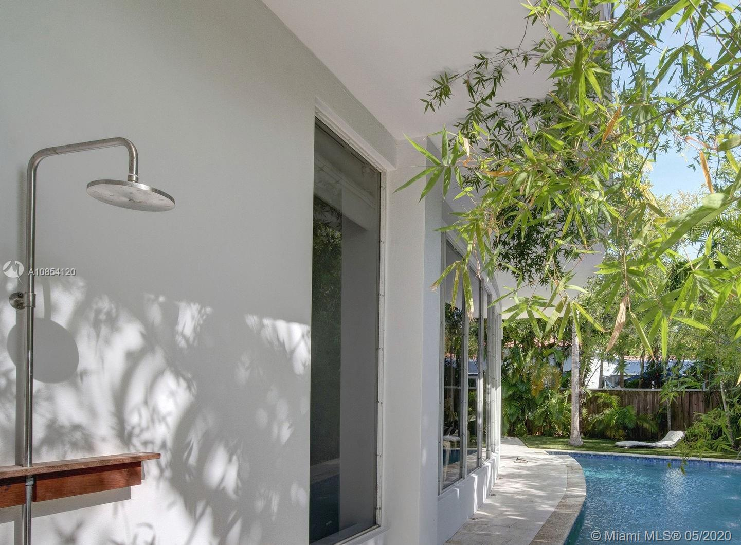 2280 Tequesta Ln, Coconut Grove, Florida 33133, 3 Bedrooms Bedrooms, ,4 BathroomsBathrooms,Residential,For Sale,2280 Tequesta Ln,A10854120