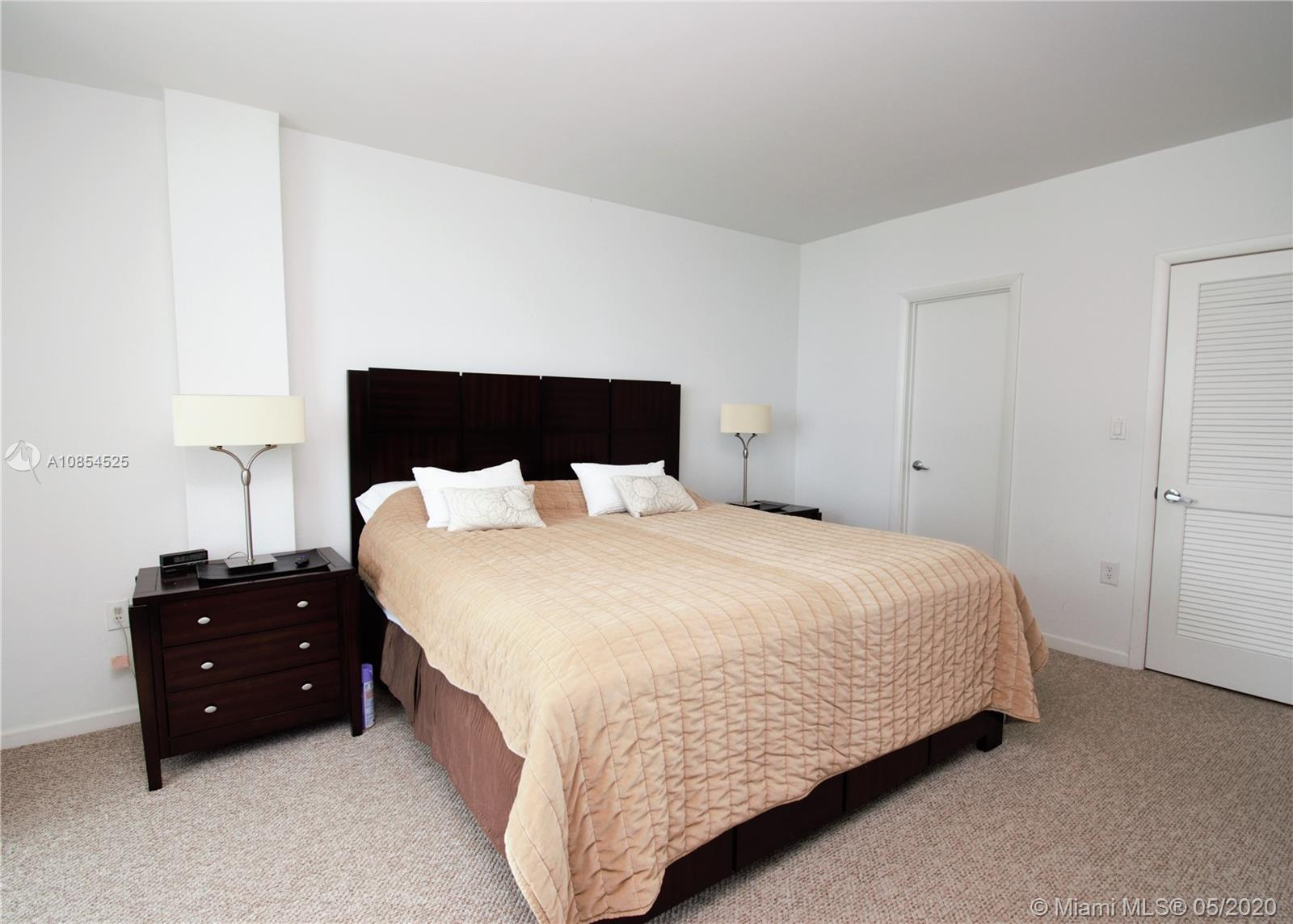 10275 Collins Ave #1514 photo09