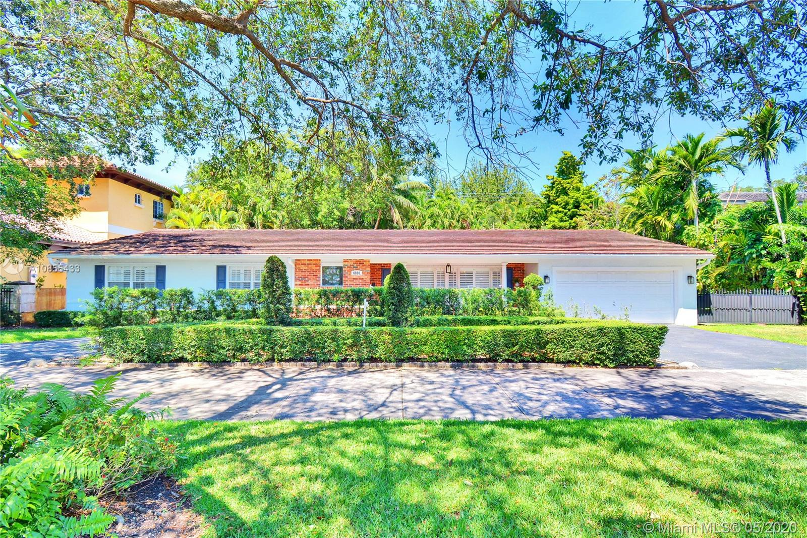 6880 Maynada St, Coral Gables, Florida 33146, 5 Bedrooms Bedrooms, ,3 BathroomsBathrooms,Residential,For Sale,6880 Maynada St,A10855433