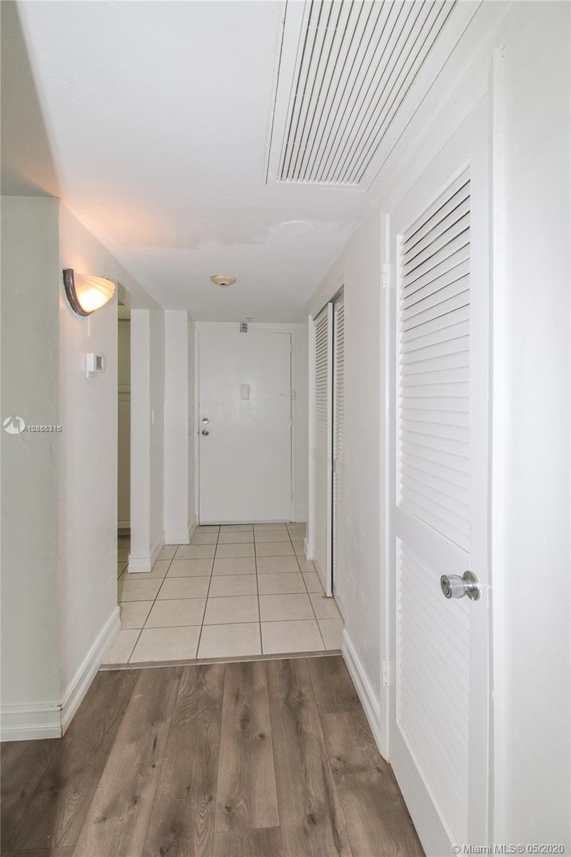 19380 Collins Ave #1521 photo028