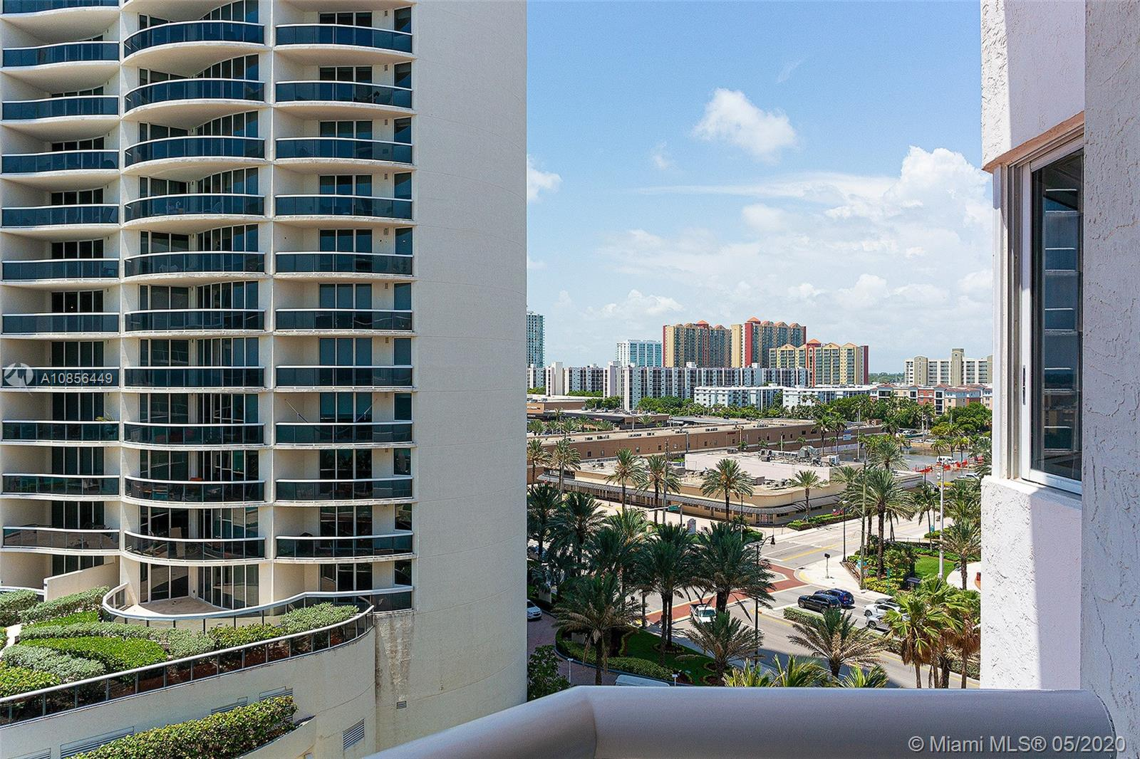17275 Collins Ave #904 photo06
