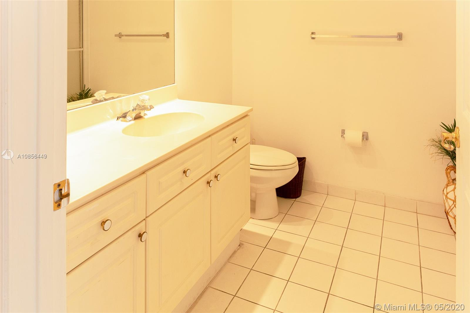 17275 Collins Ave #904 photo013