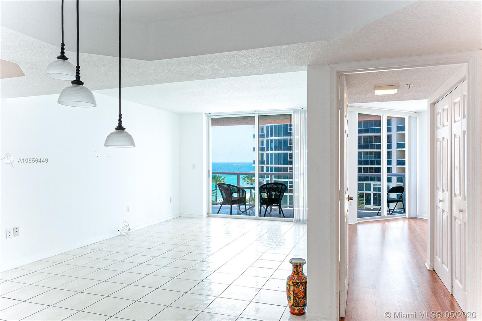 17275 Collins Ave #904 photo09