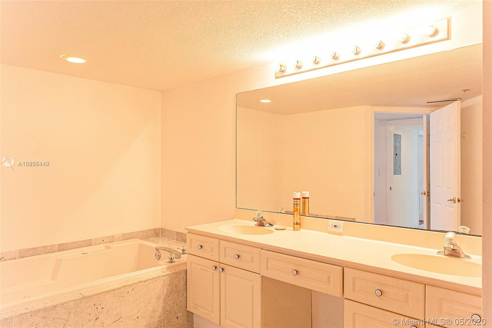 17275 Collins Ave #904 photo015