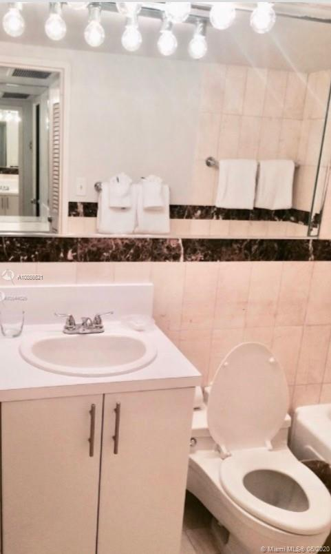 5225 Collins Ave #1205 photo07