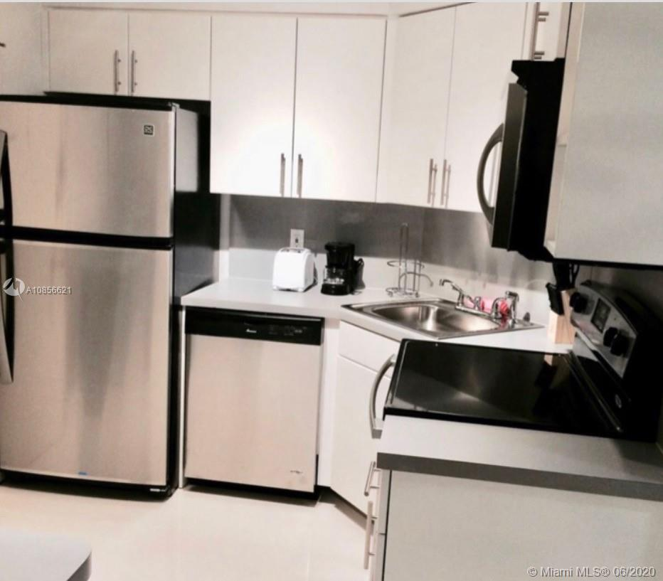 5225 Collins Ave #1205 photo08