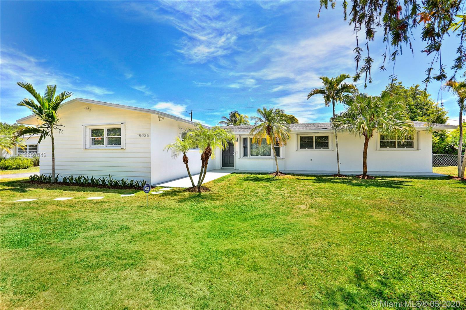 15025 SW 82nd Ave, Palmetto Bay, Florida 33158, 3 Bedrooms Bedrooms, ,2 BathroomsBathrooms,Residential,For Sale,15025 SW 82nd Ave,A10857042