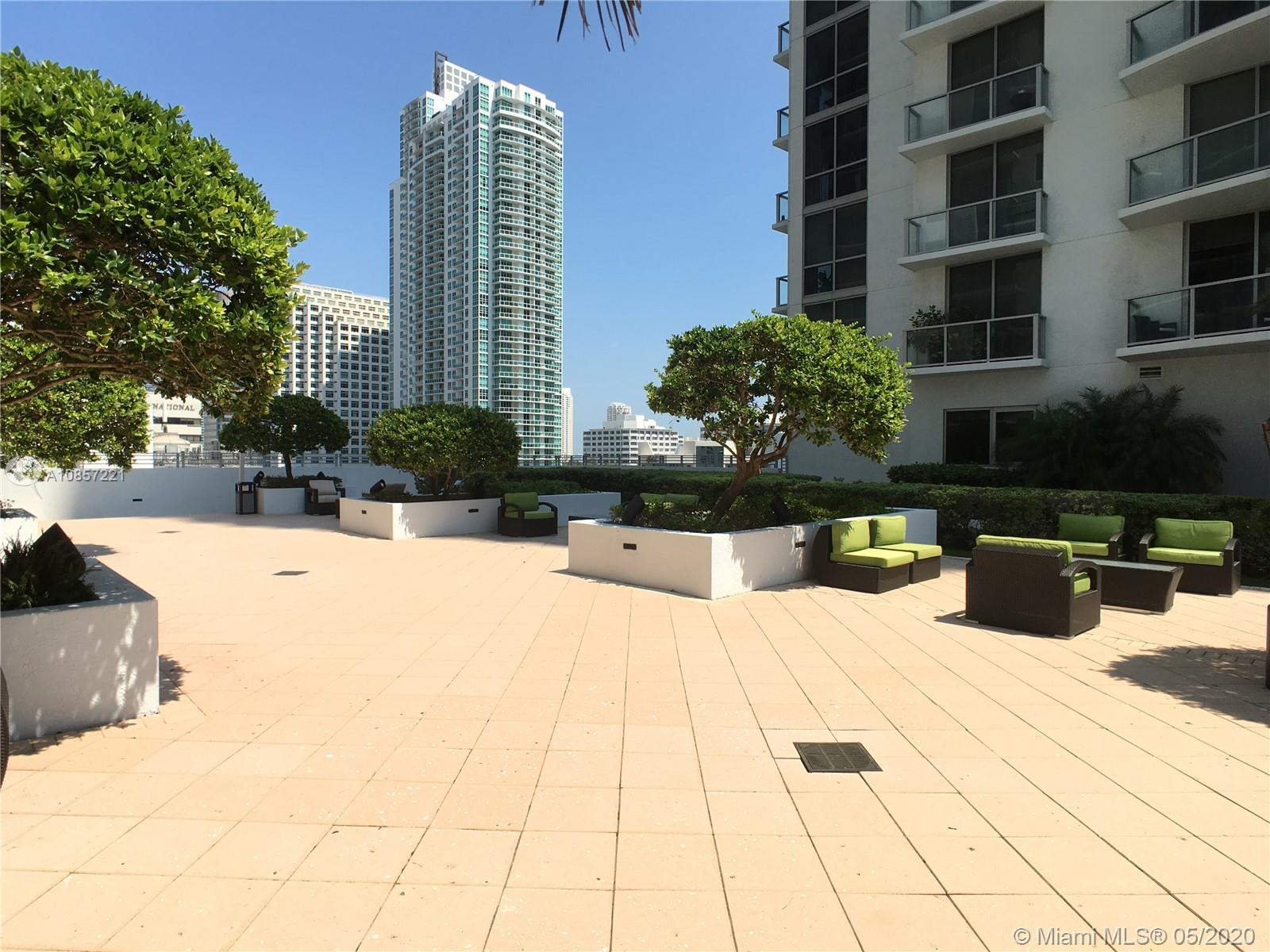 1050 Brickell Ave #2418 photo042