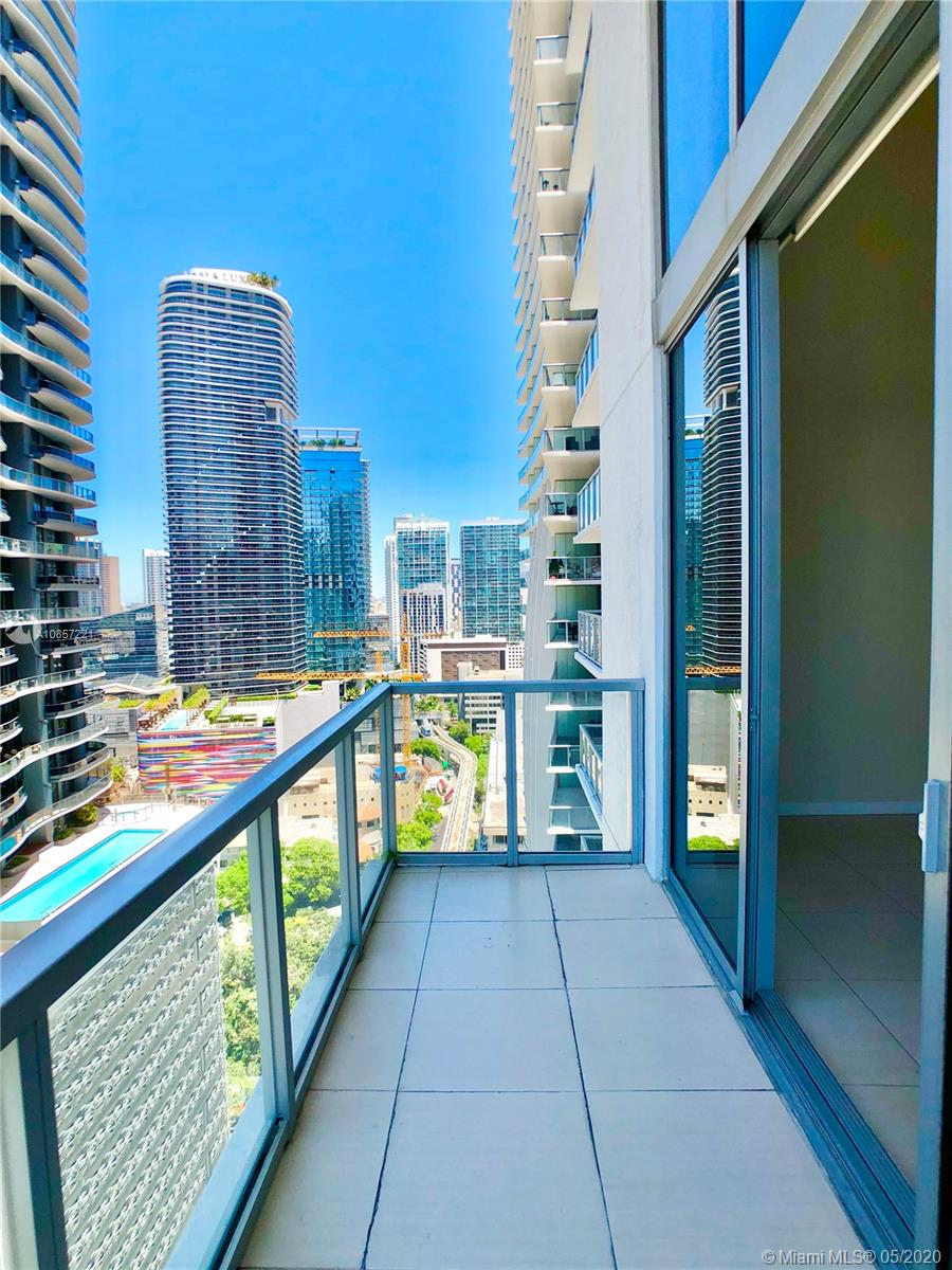 1050 Brickell Ave #2418 photo013