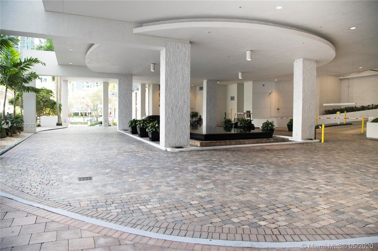 1050 Brickell Ave #2418 photo053
