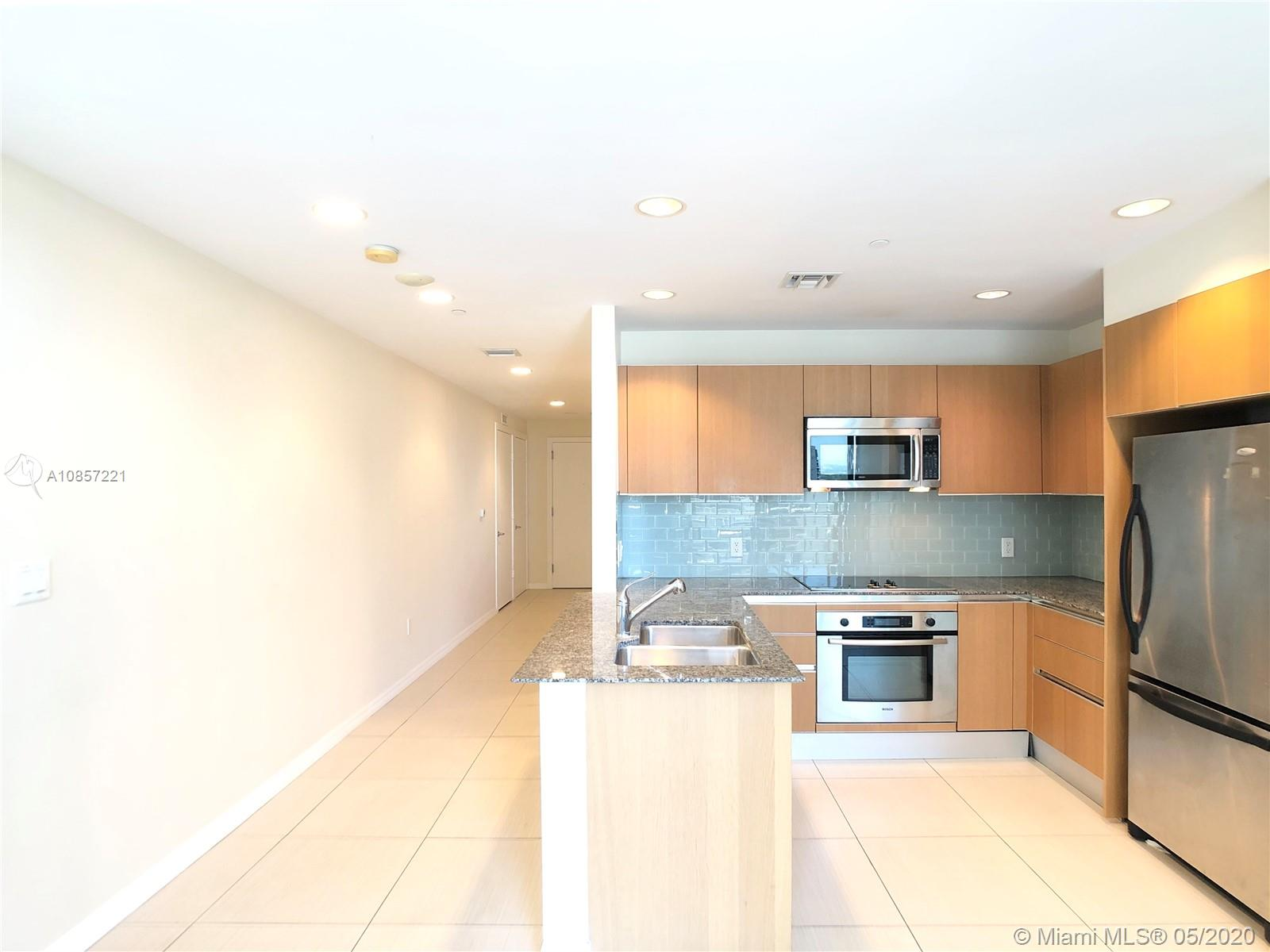 1050 Brickell Ave #2418 photo07