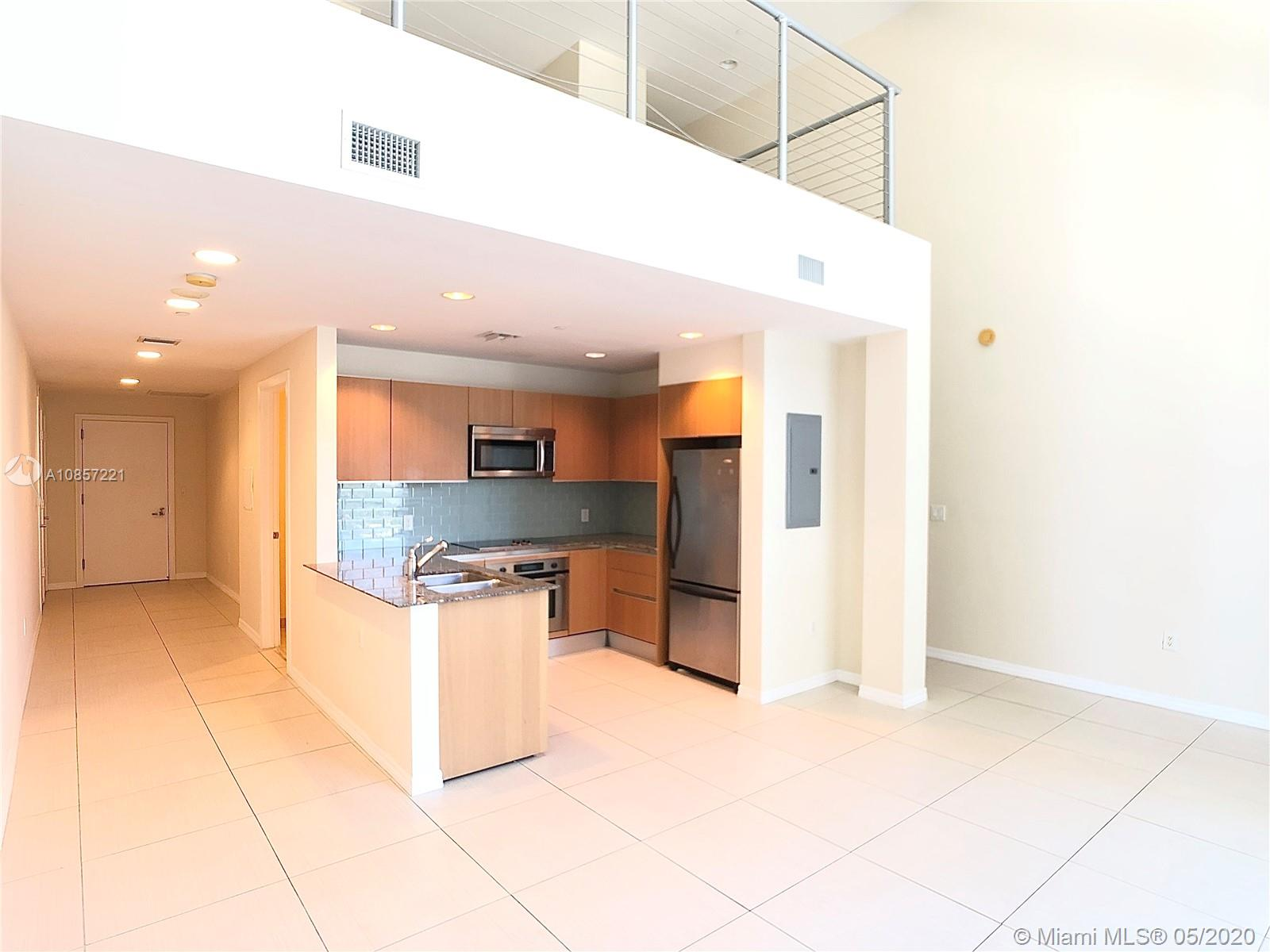 1050 Brickell Ave #2418 photo01
