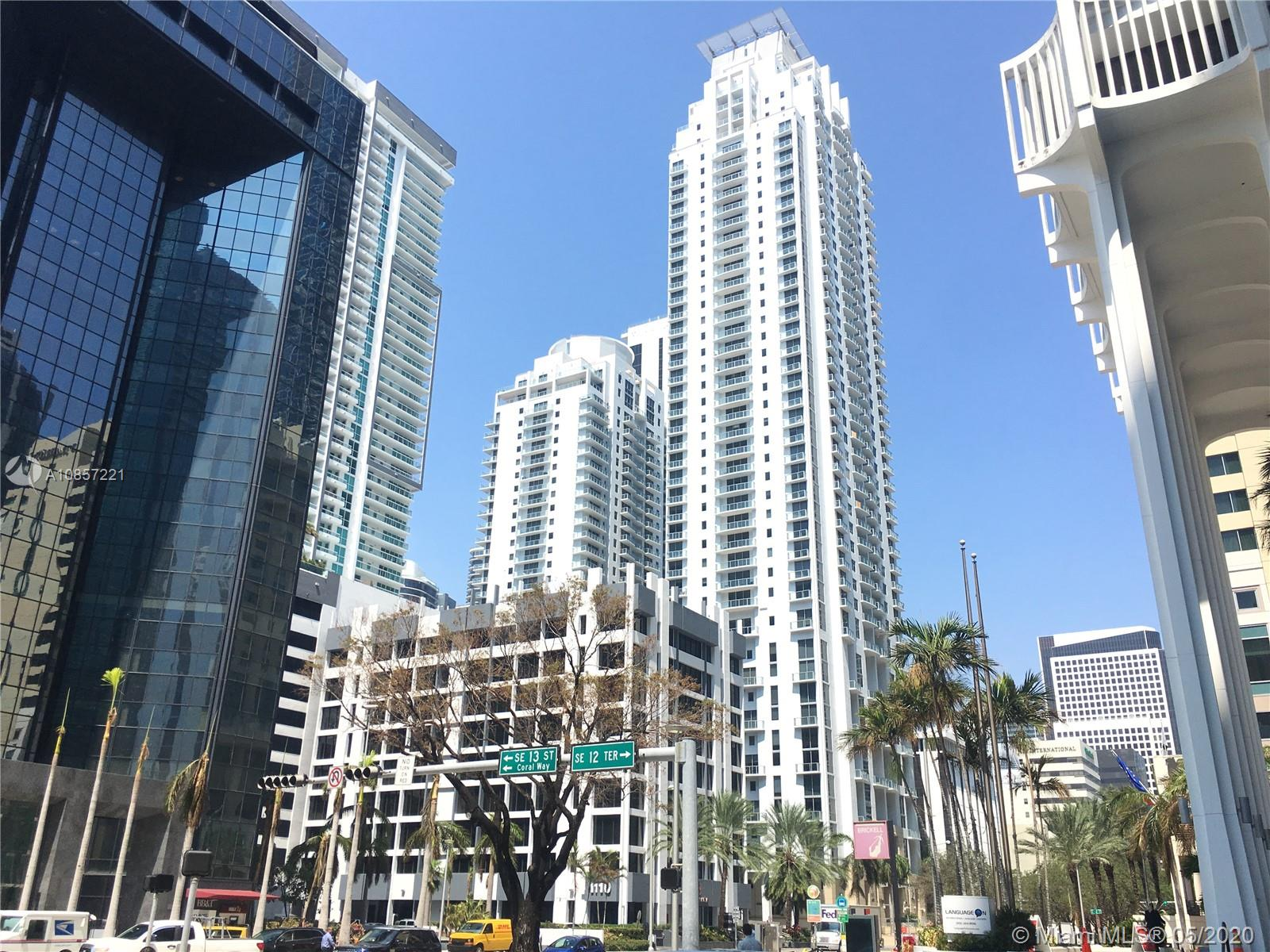1050 Brickell Ave #2418 photo028