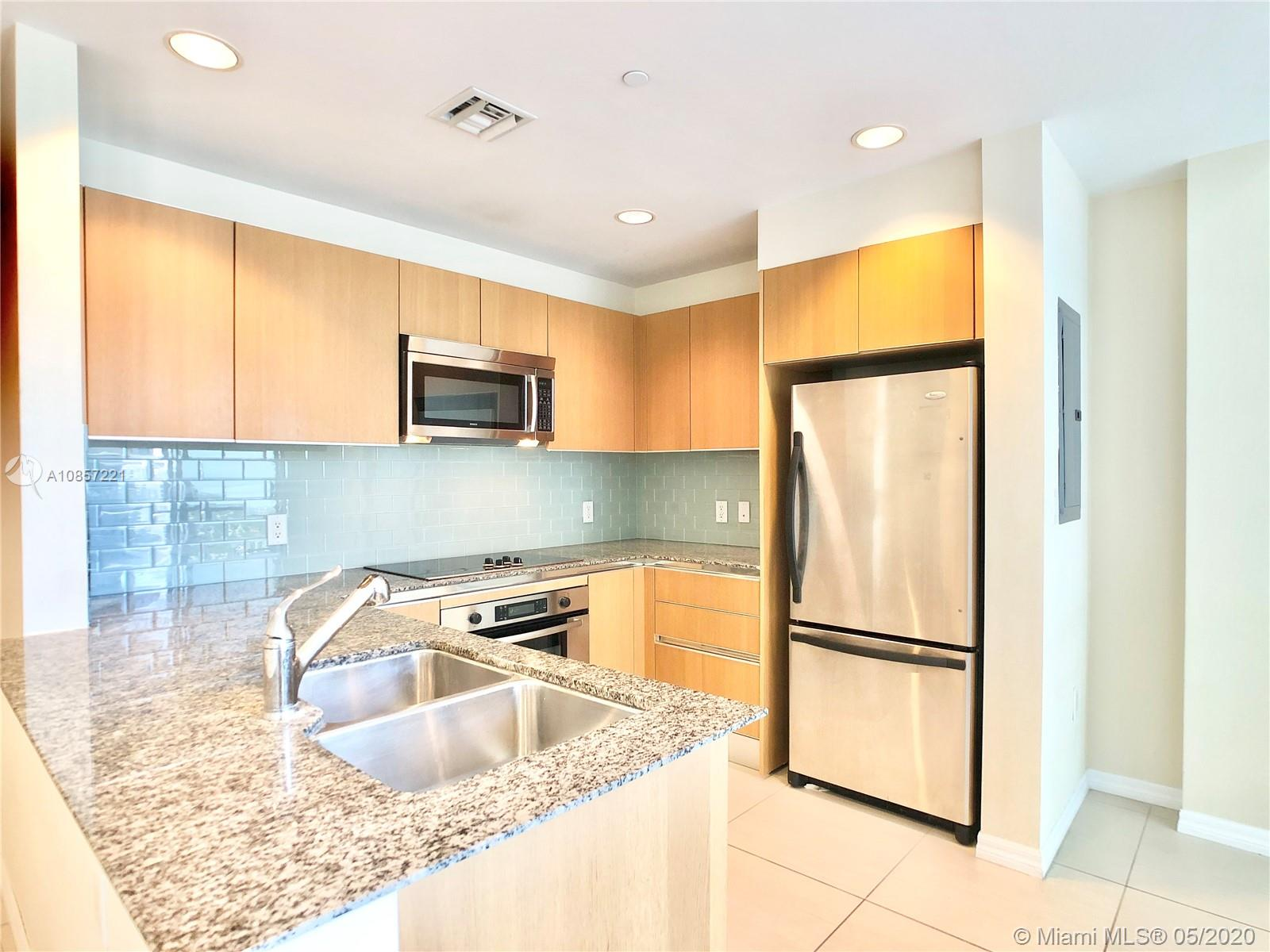 1050 Brickell Ave #2418 photo05