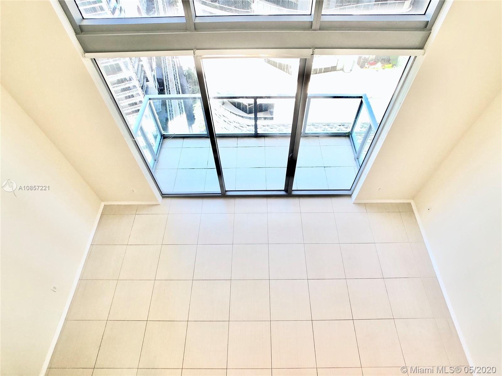 1050 Brickell Ave #2418 photo020