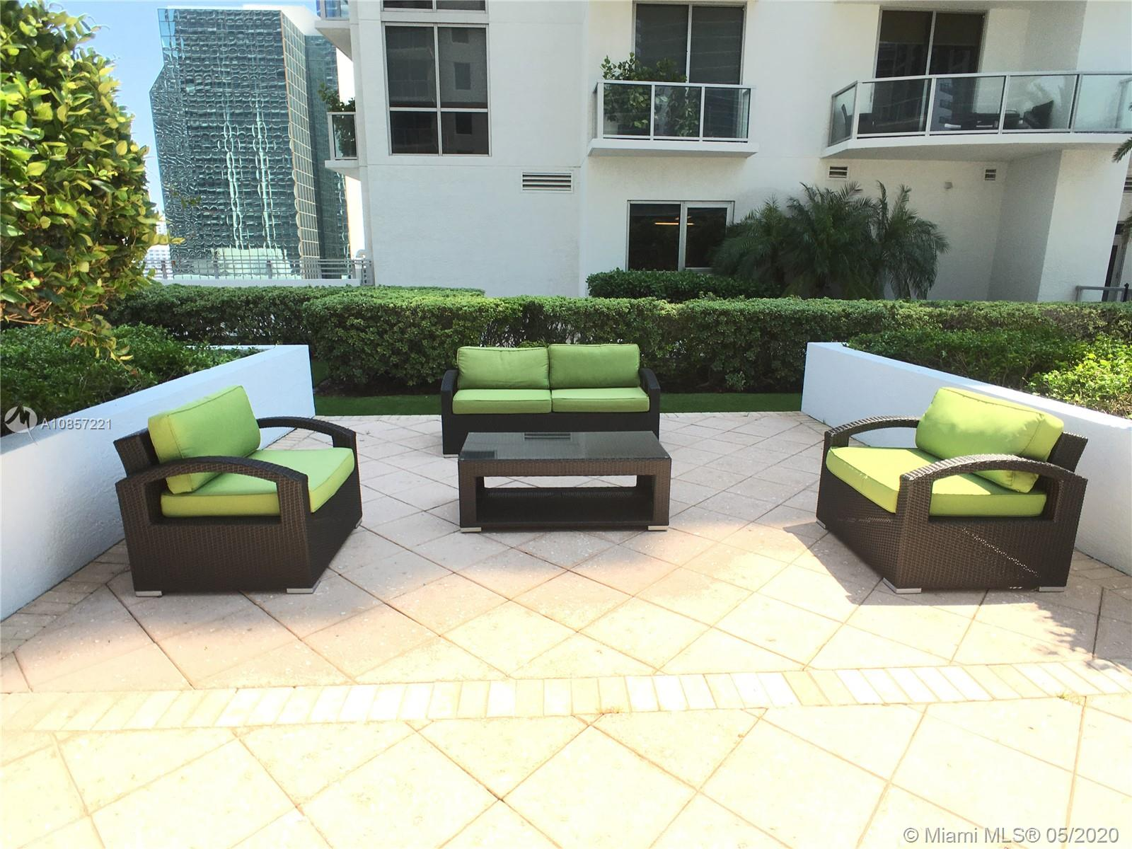 1050 Brickell Ave #2418 photo041