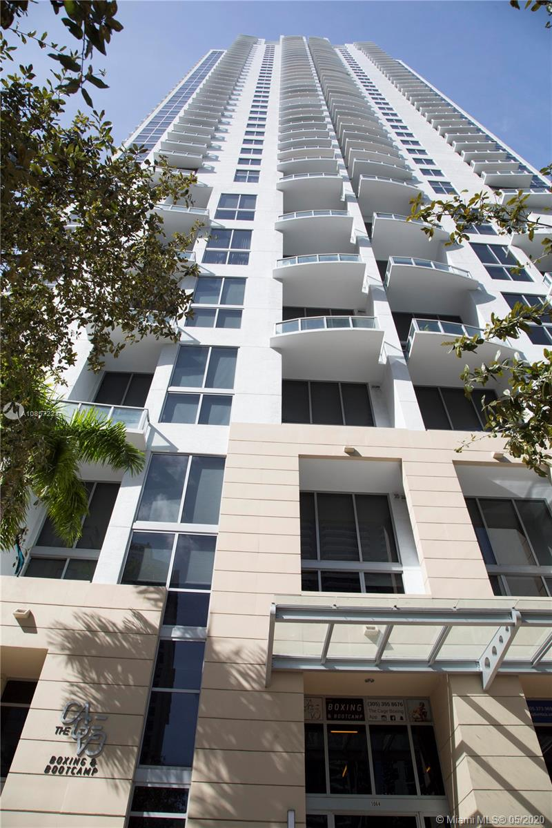 1050 Brickell Ave #2418 photo058