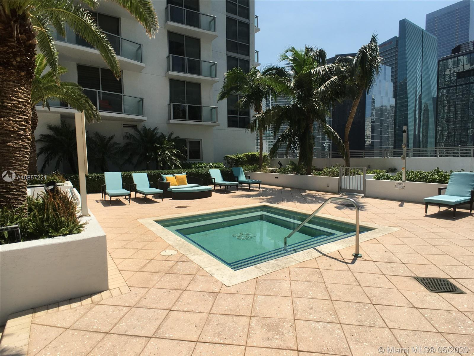 1050 Brickell Ave #2418 photo037