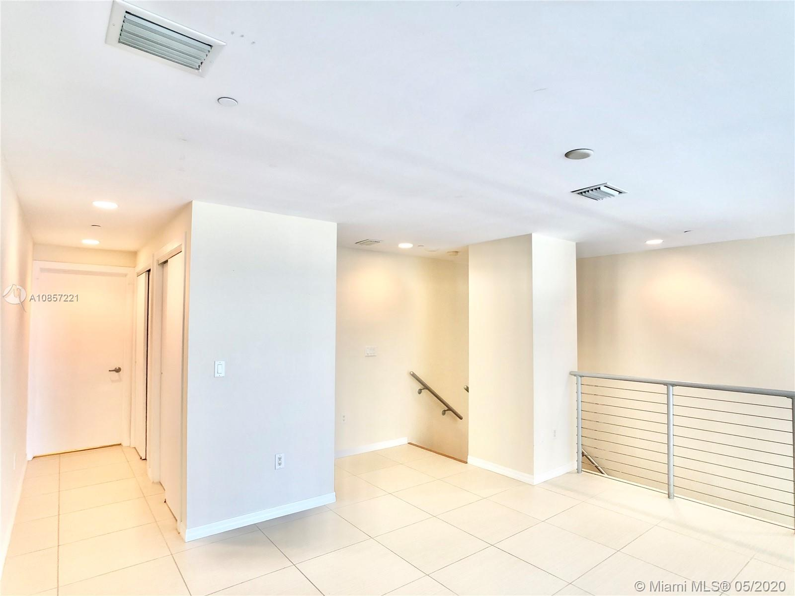 1050 Brickell Ave #2418 photo019