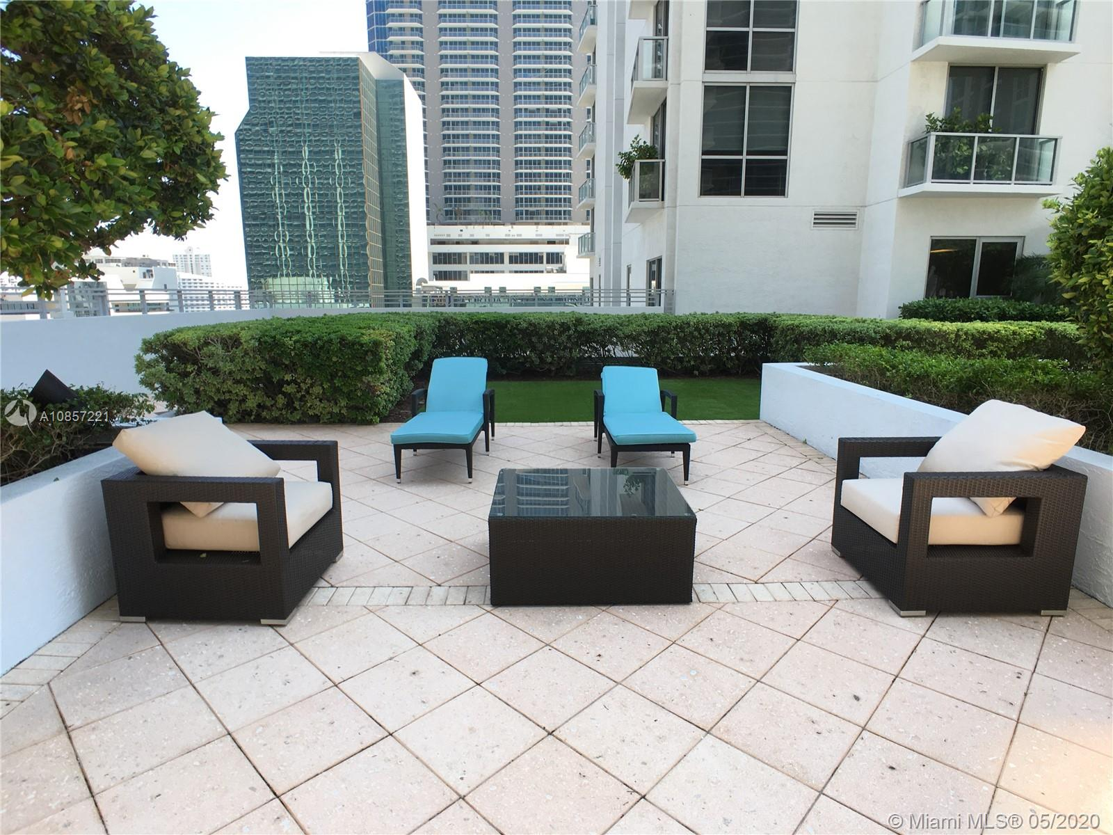 1050 Brickell Ave #2418 photo040