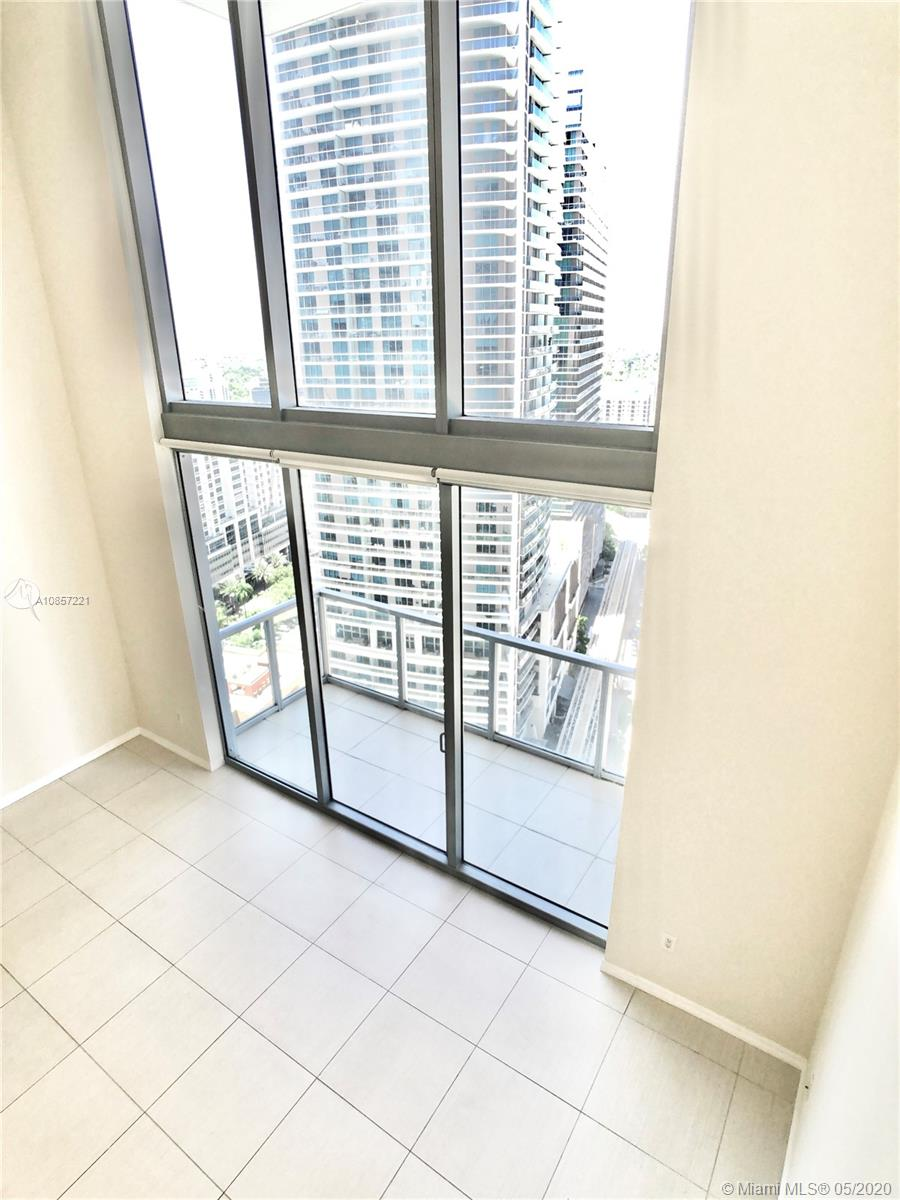 1050 Brickell Ave #2418 photo021