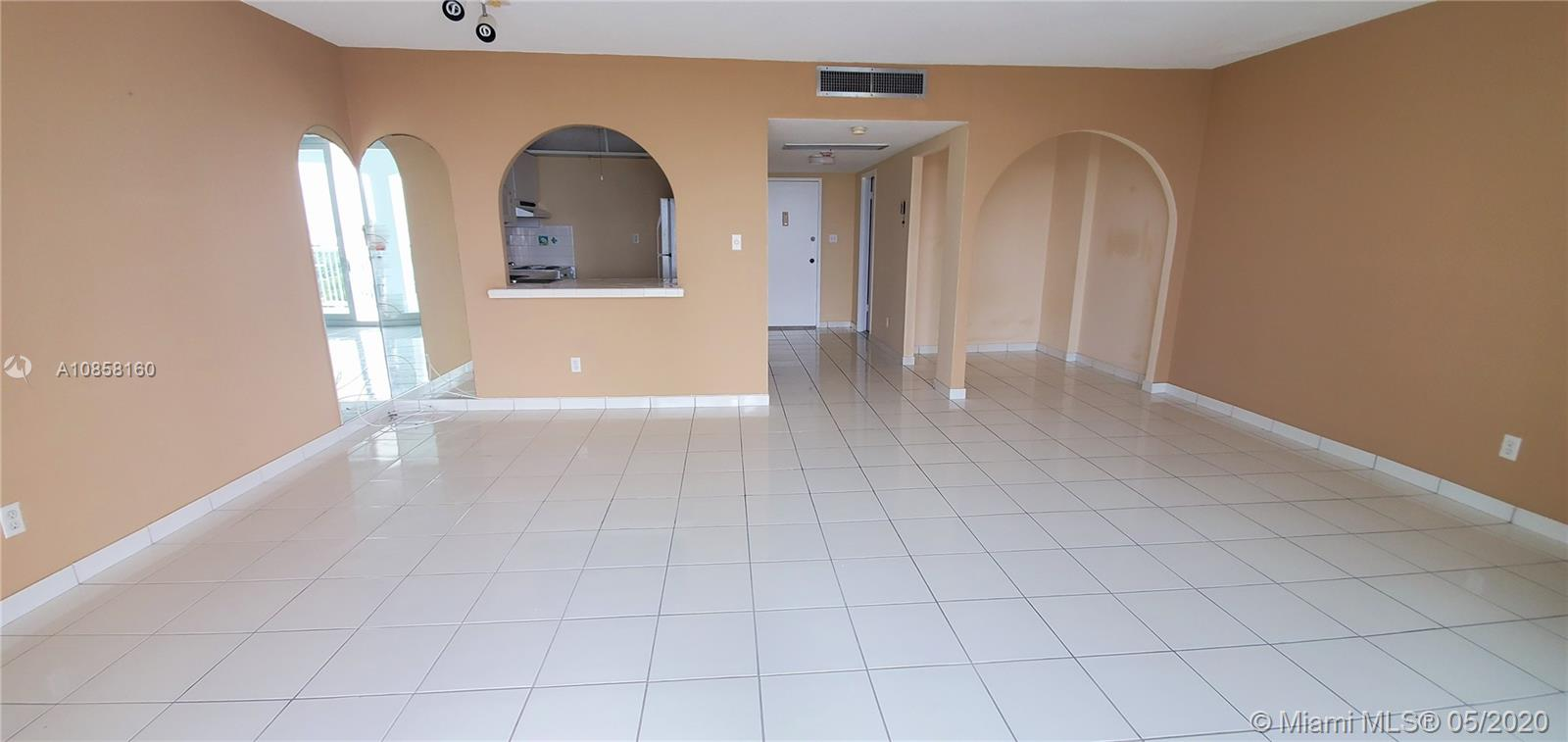 5401 Collins Ave #929 photo01
