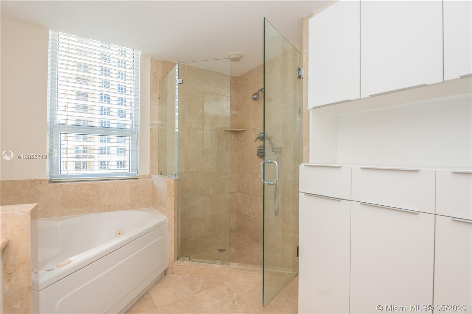 848 Brickell Key Dr #806 photo015