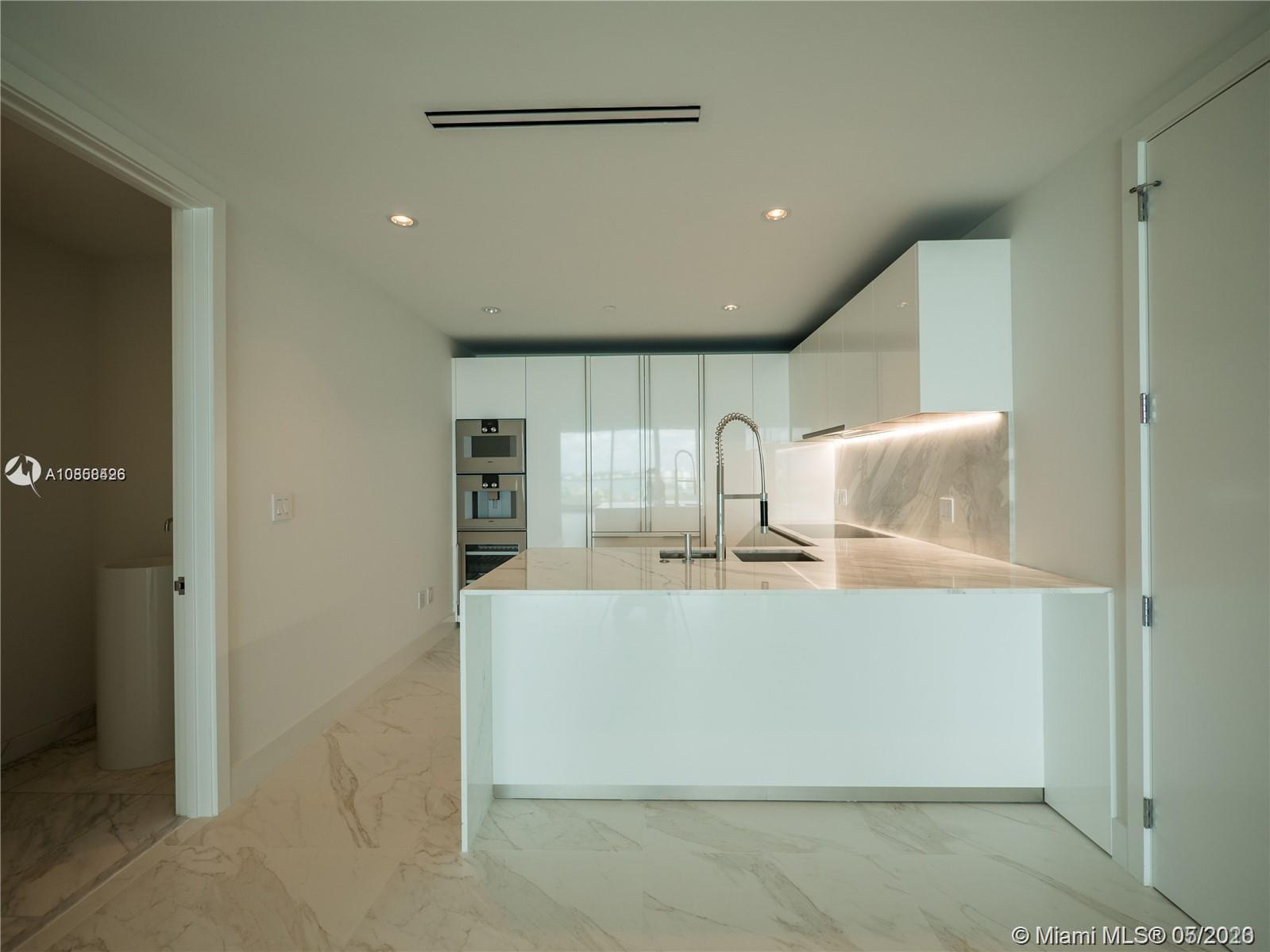 10201 Collins Ave #1005 photo05
