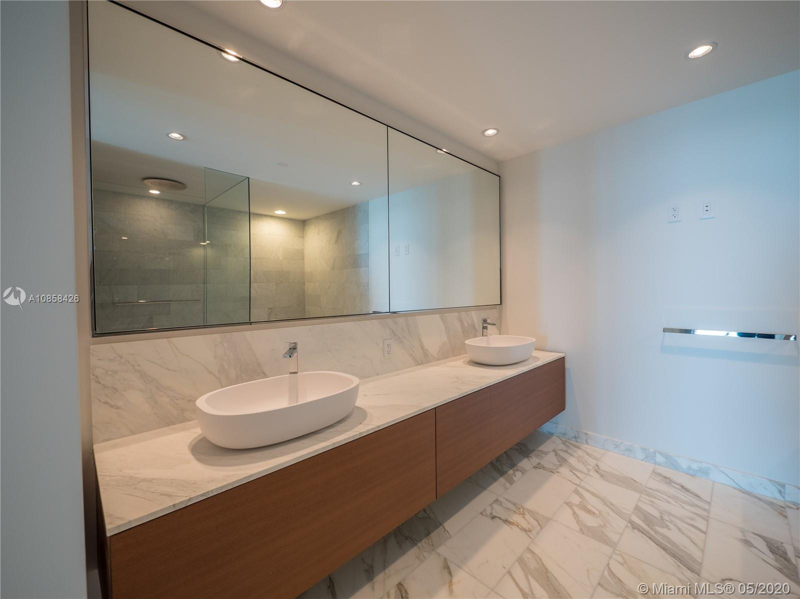 10201 Collins Ave #1005 photo09