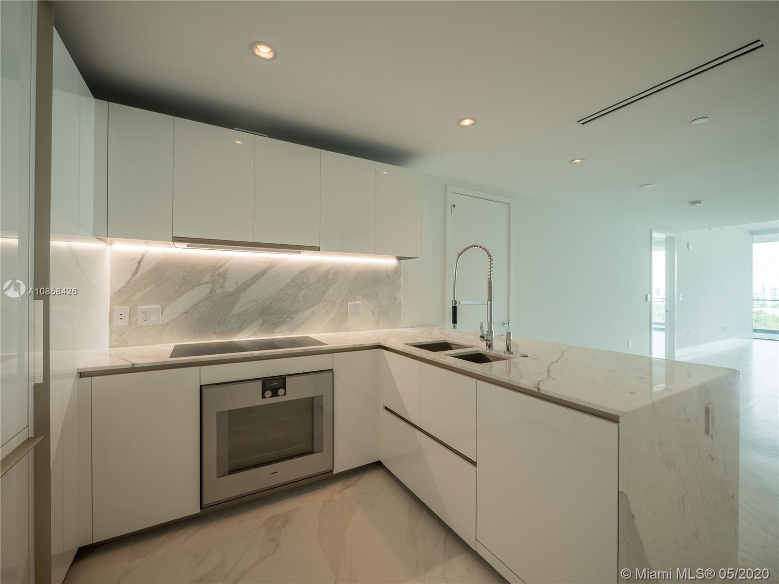10201 Collins Ave #1005 photo04