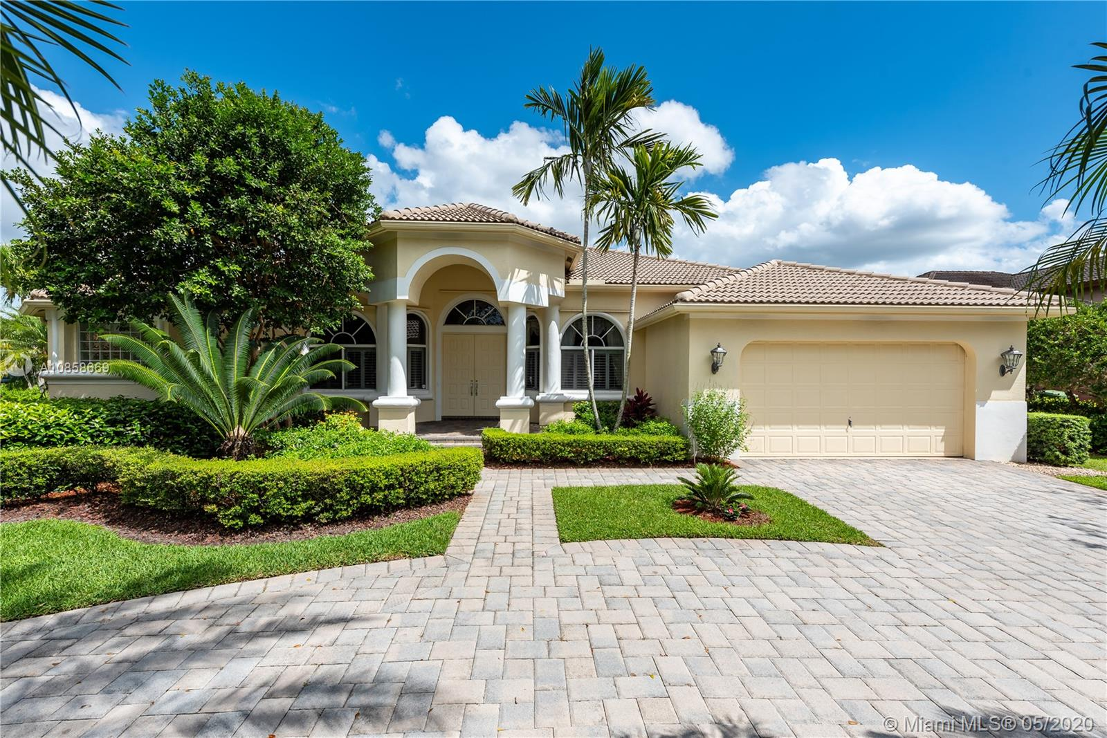 Property for sale at 308 Mallard Rd, Weston,  Florida 33327