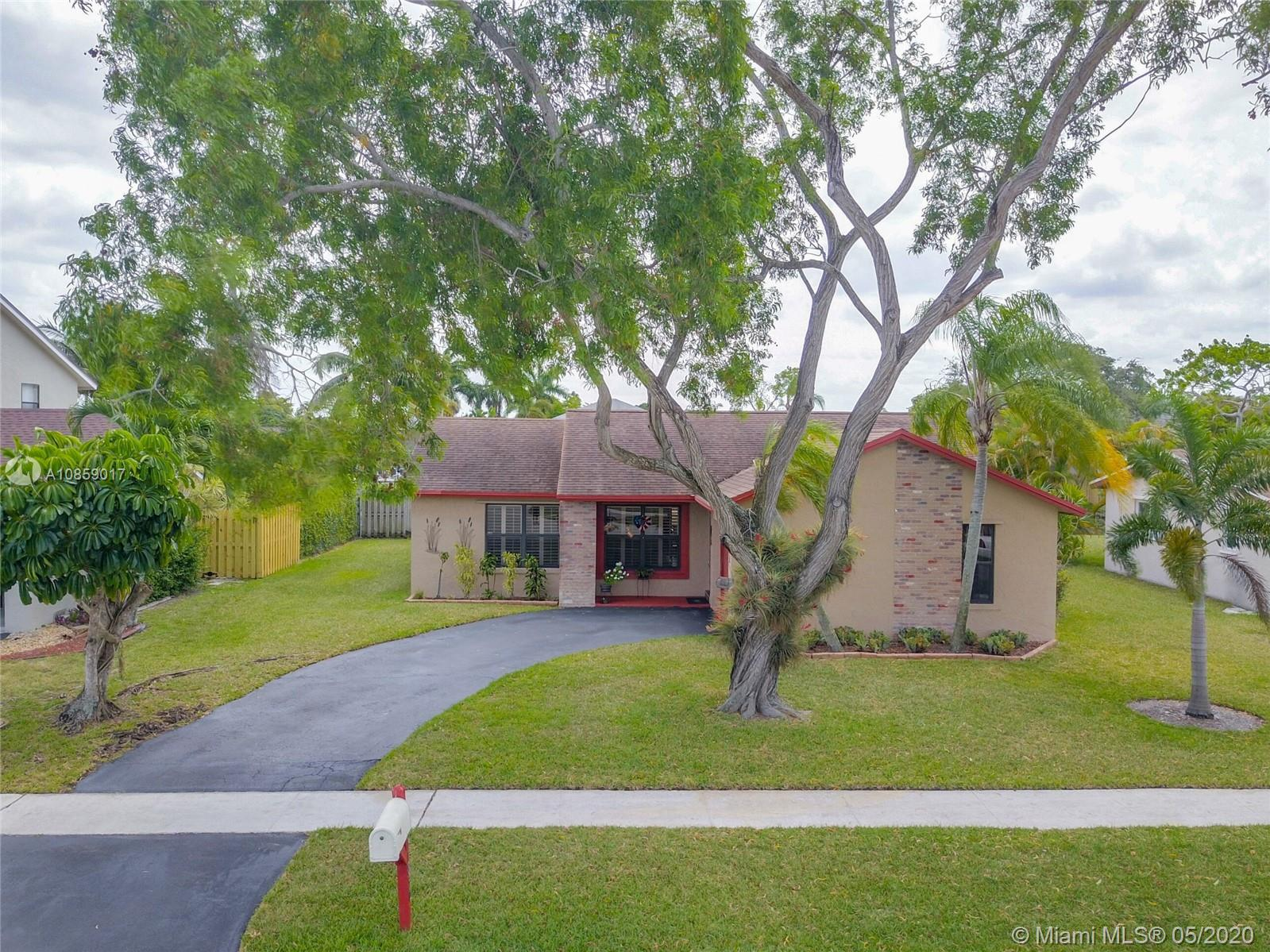 11850 NW 42nd St photo01