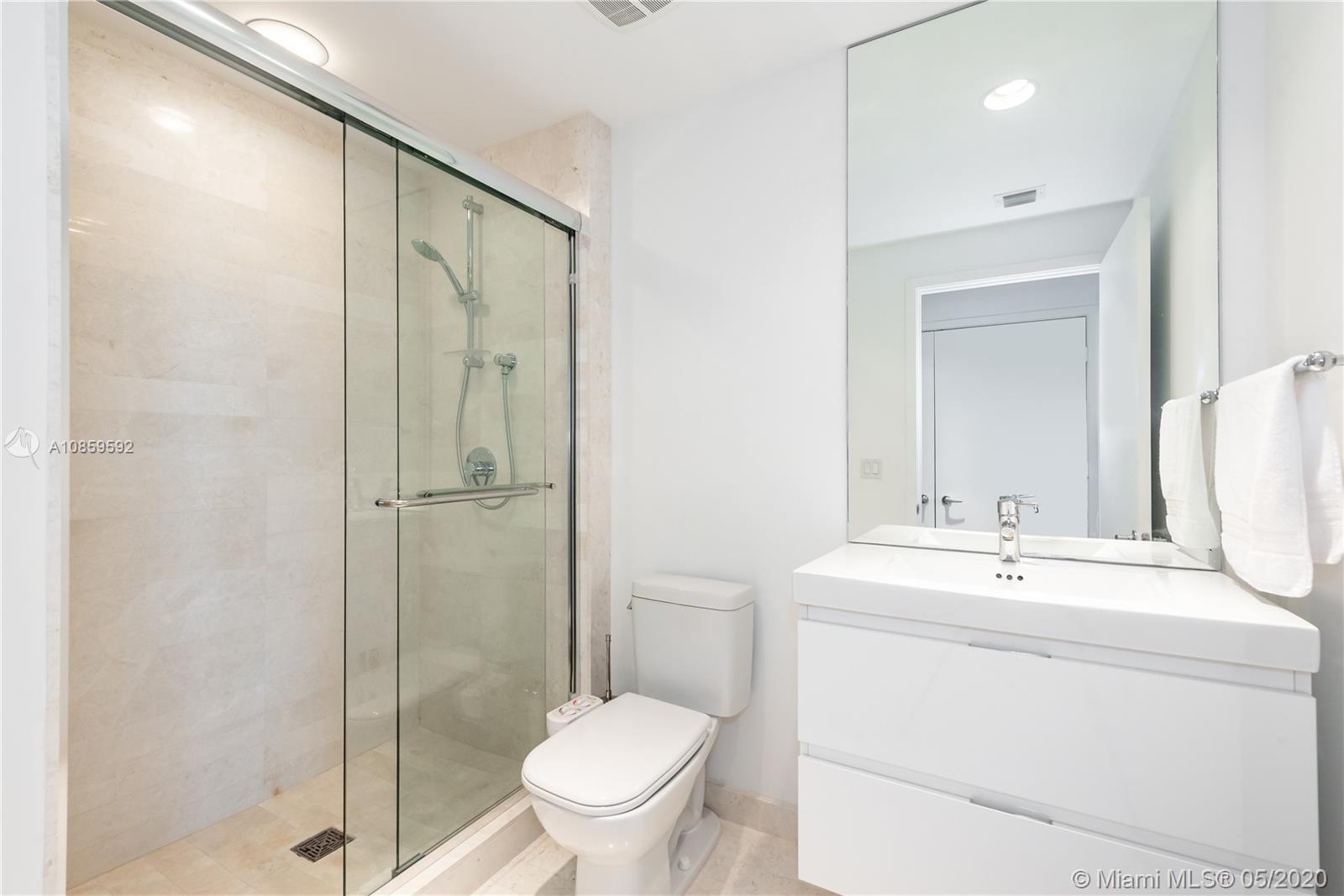 Property 17301 Biscayne Blvd #910 image 25