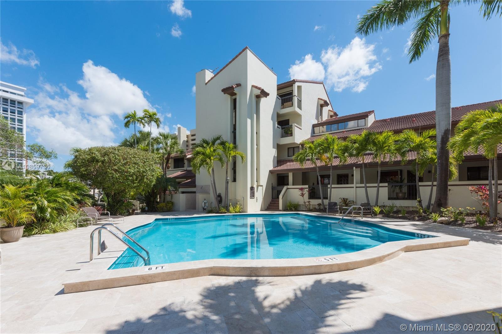 2600 Cardena St # 16, Coral Gables, Florida 33134, 2 Bedrooms Bedrooms, ,3 BathroomsBathrooms,Residential,For Sale,2600 Cardena St # 16,A10859735