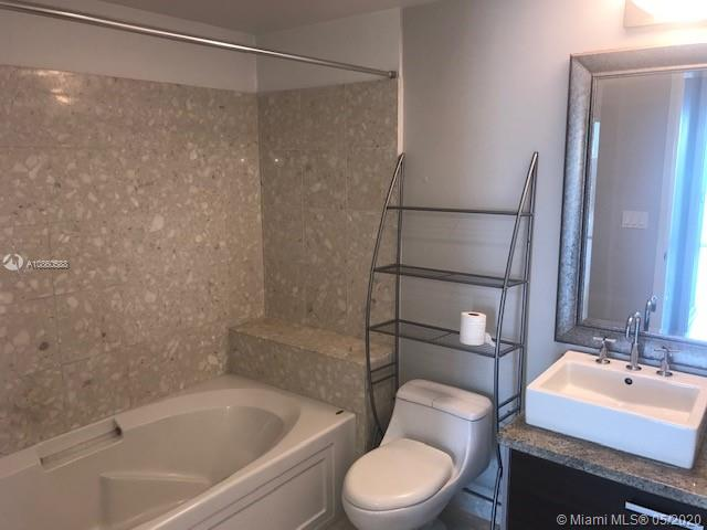 185 SW 7th St #3610 photo09