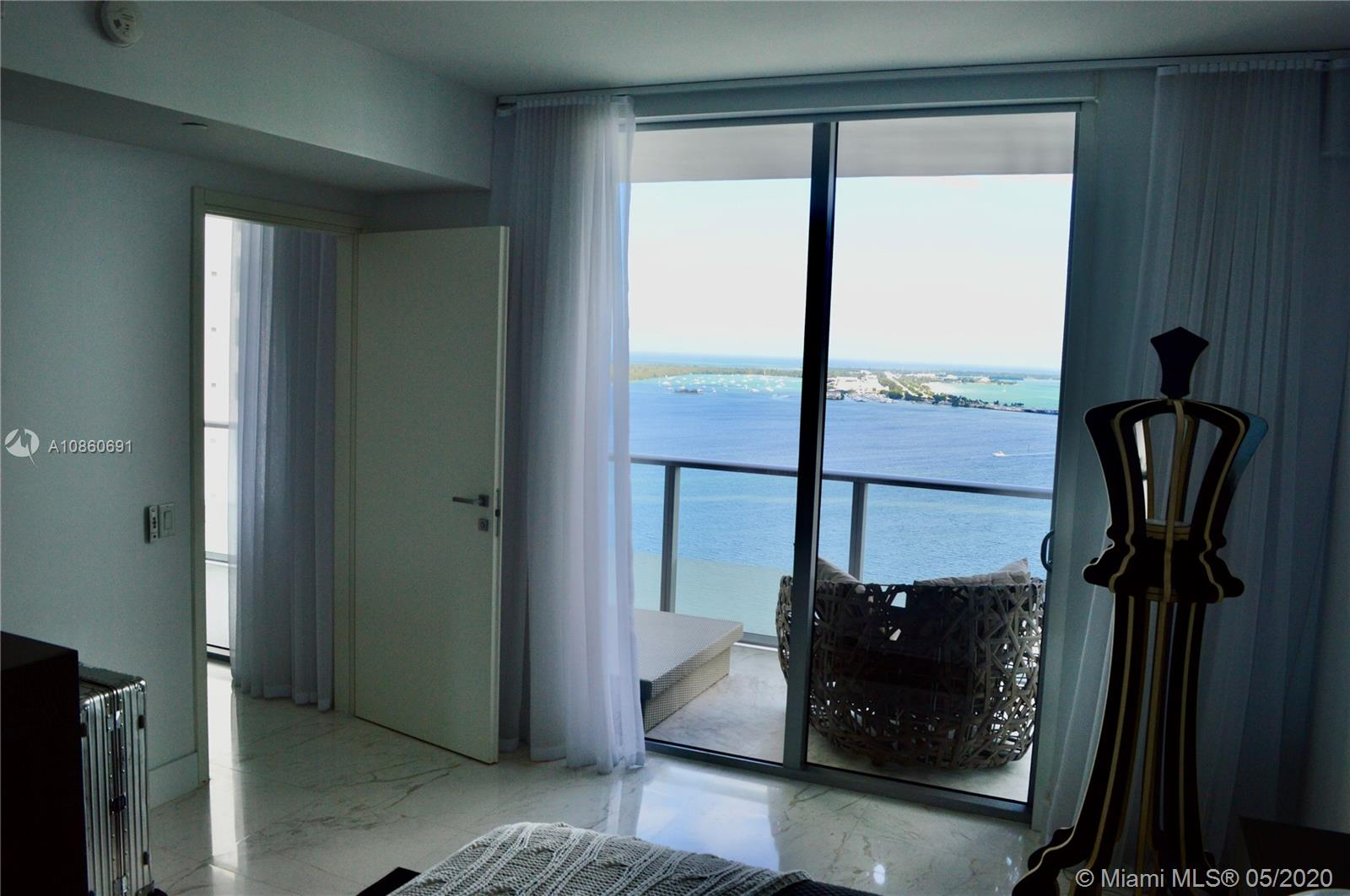 1300 Brickell Bay Dr #2807 photo013