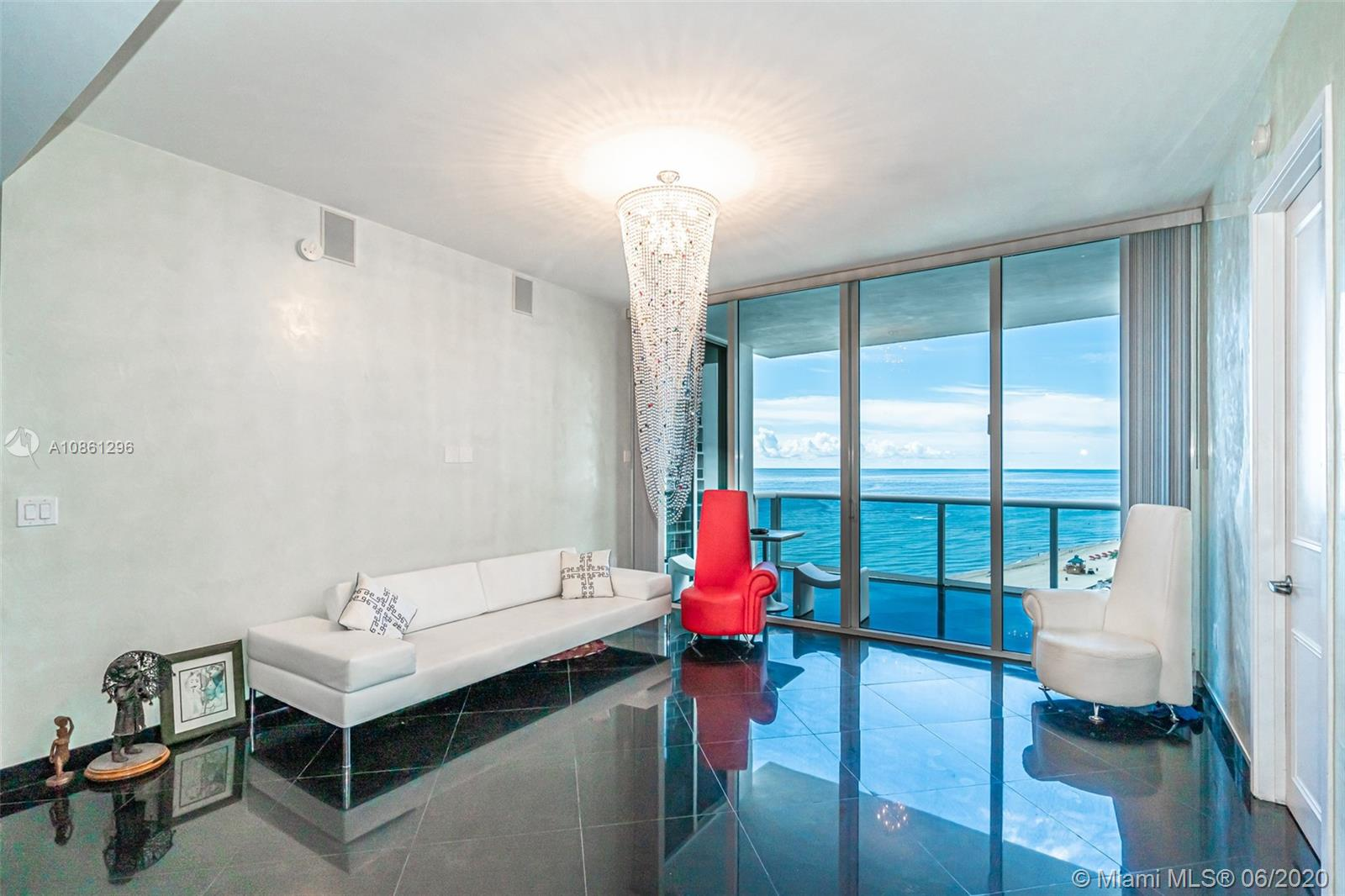 18101 Collins Ave #1502 photo03