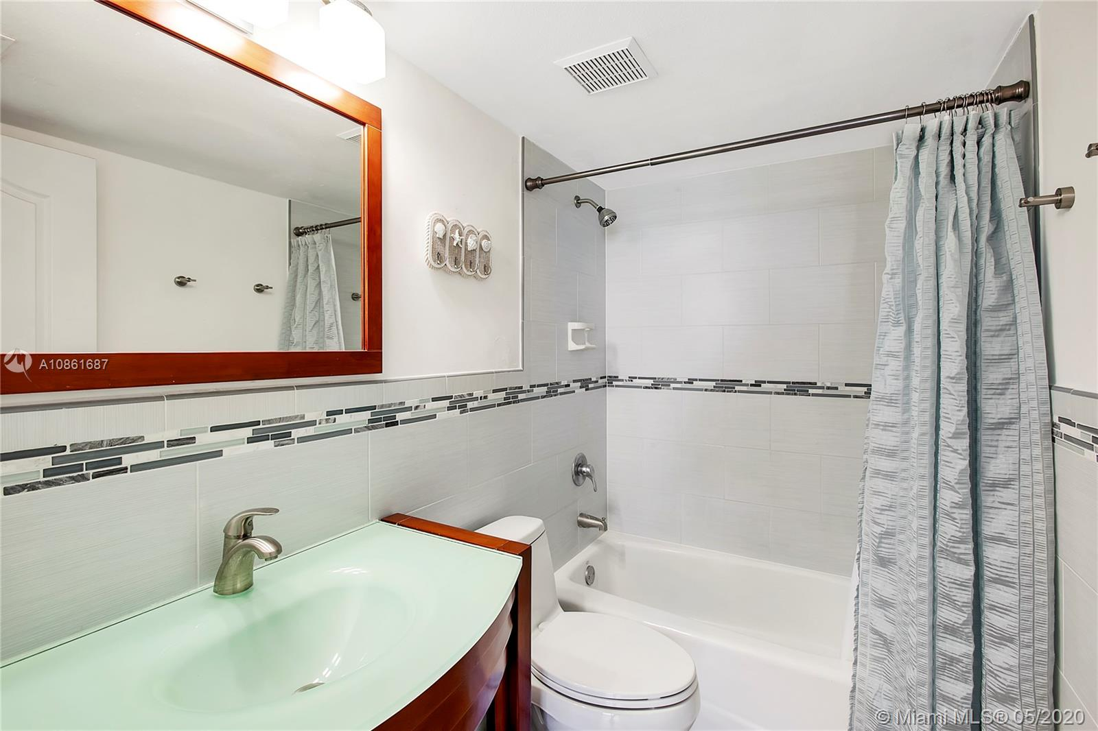 6767 Collins Ave #1210 photo06