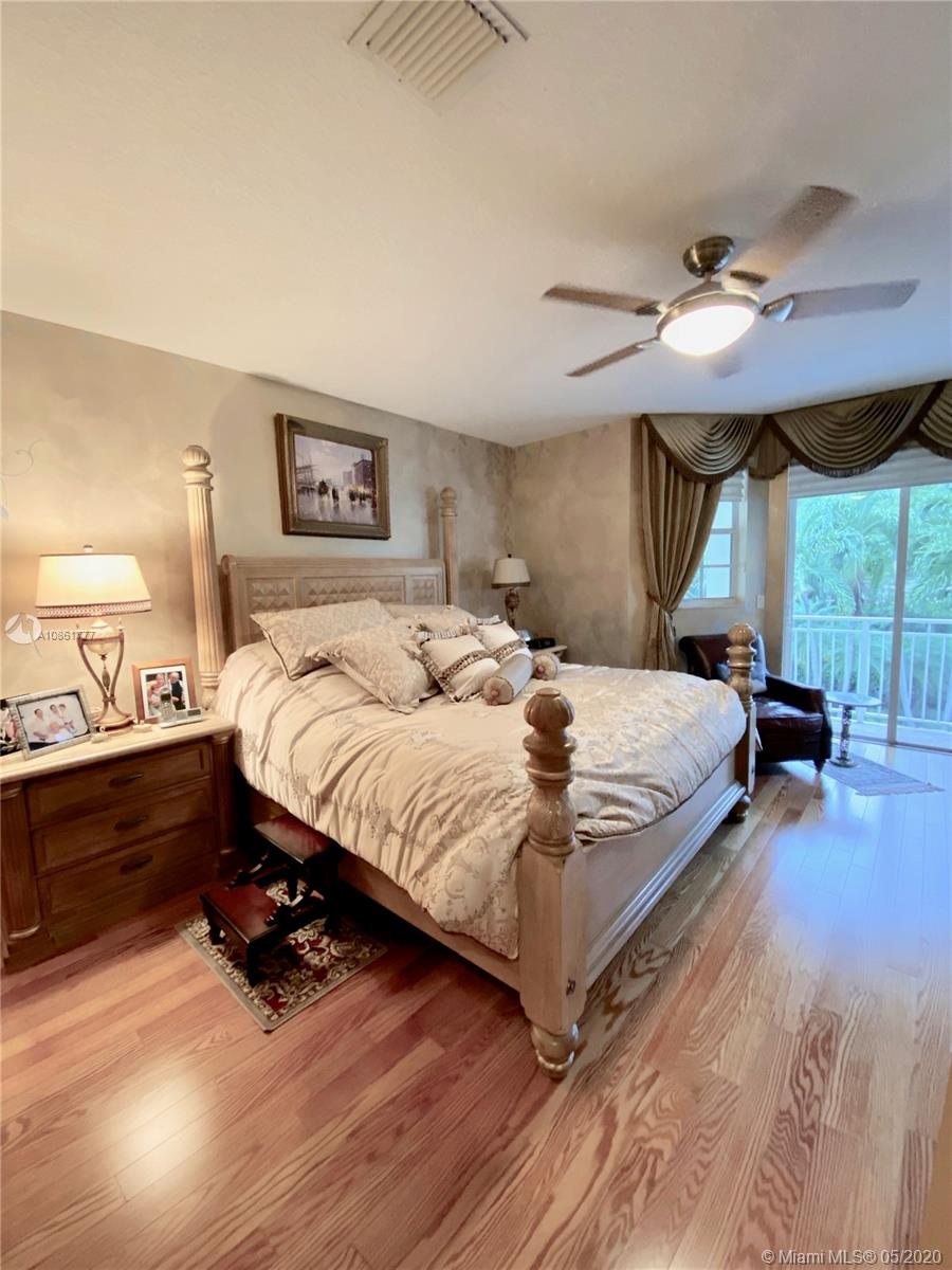 Photo of 19448 NE 17th Ave # listing for Sale