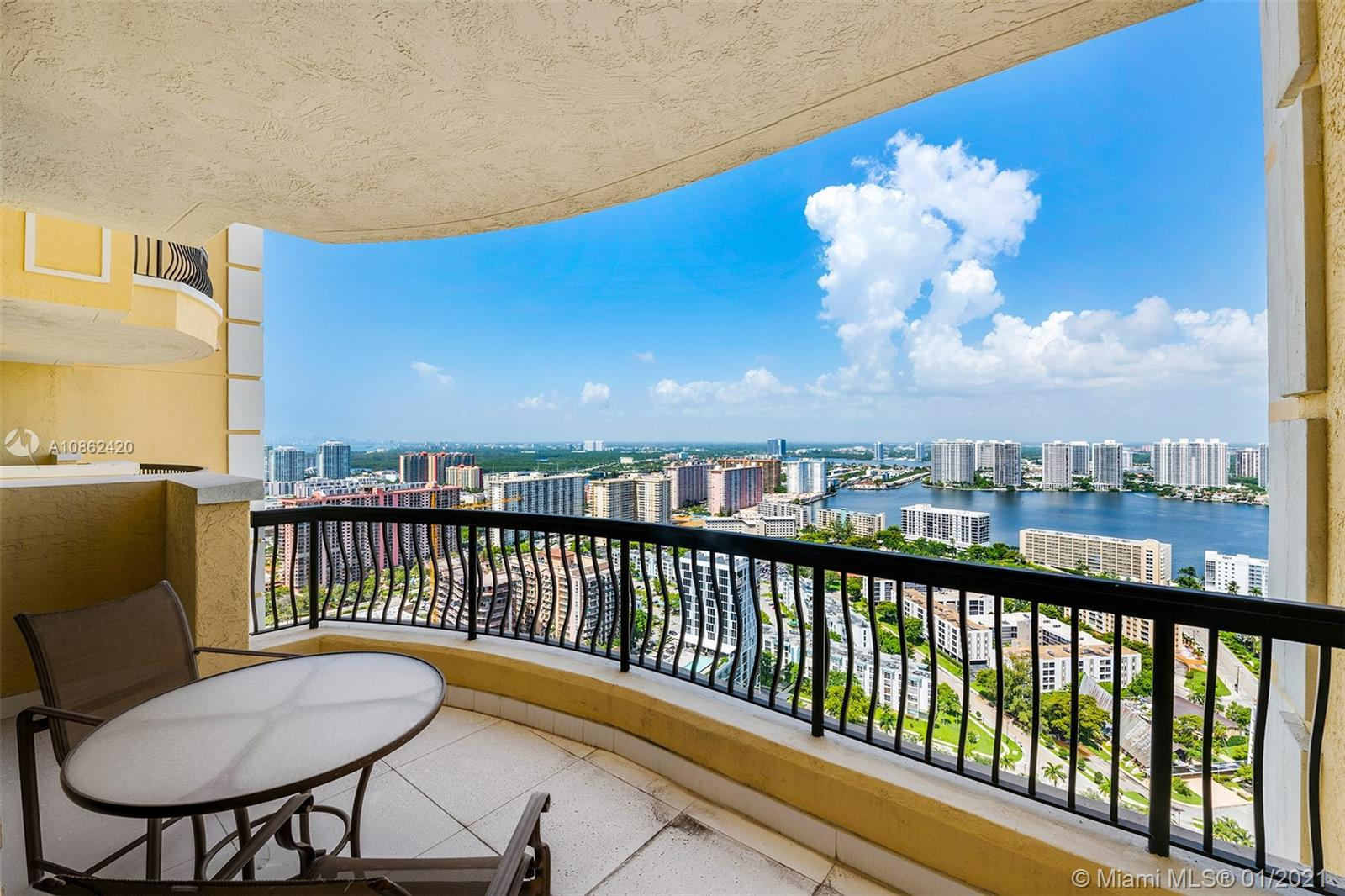 17875 Collins Ave #3504 photo022