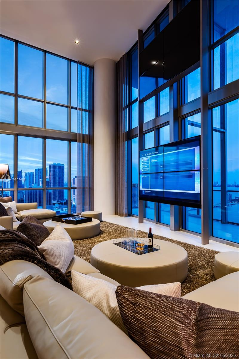 Photo of 1100 Biscayne Blvd #3106 listing for Sale