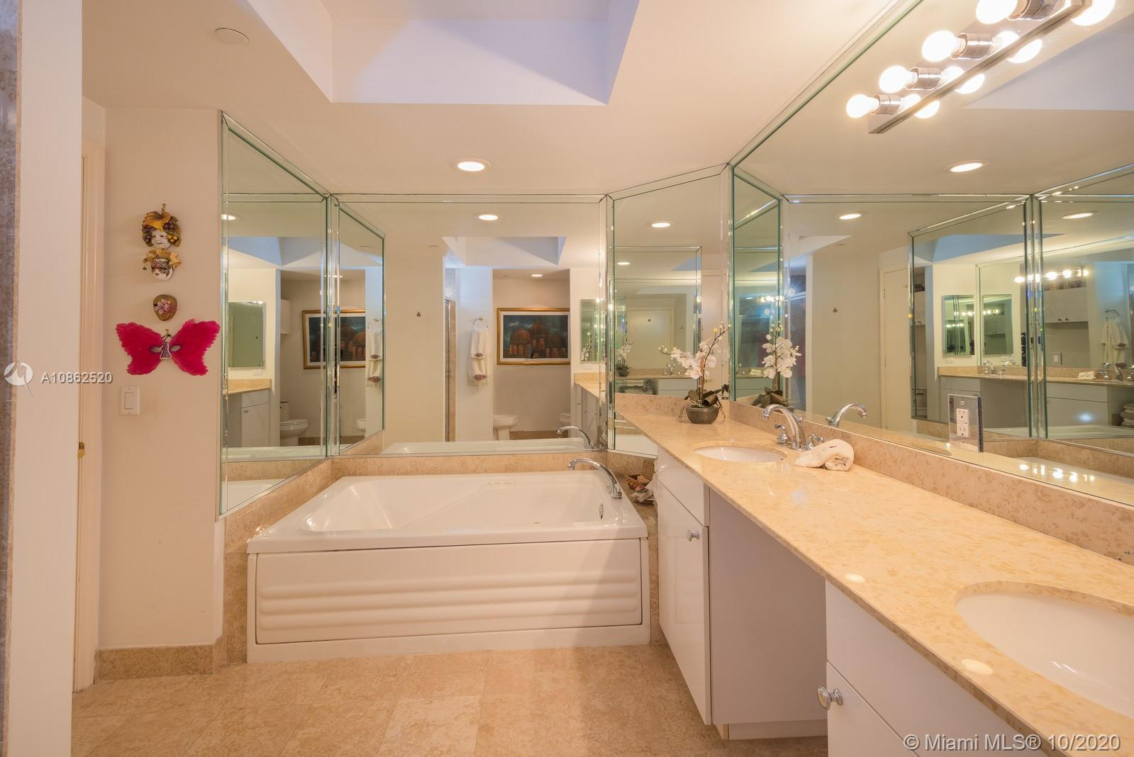 4775 Collins Ave #3403 photo019
