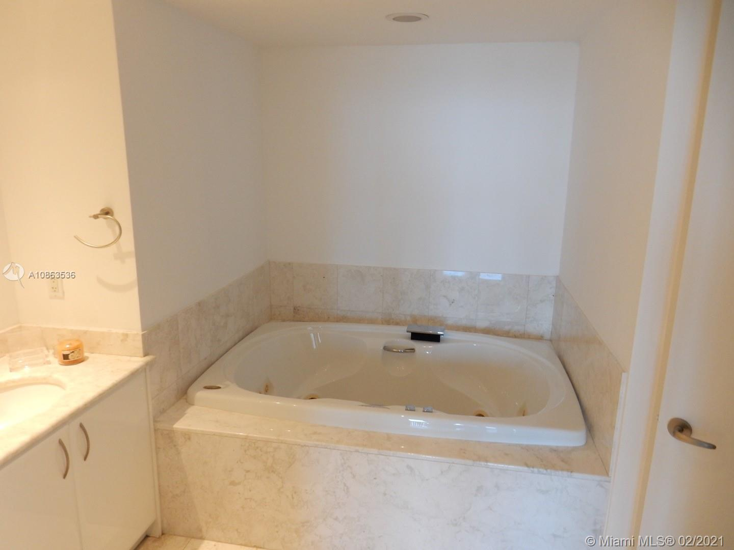 1331 Brickell Bay Dr #2609 photo08