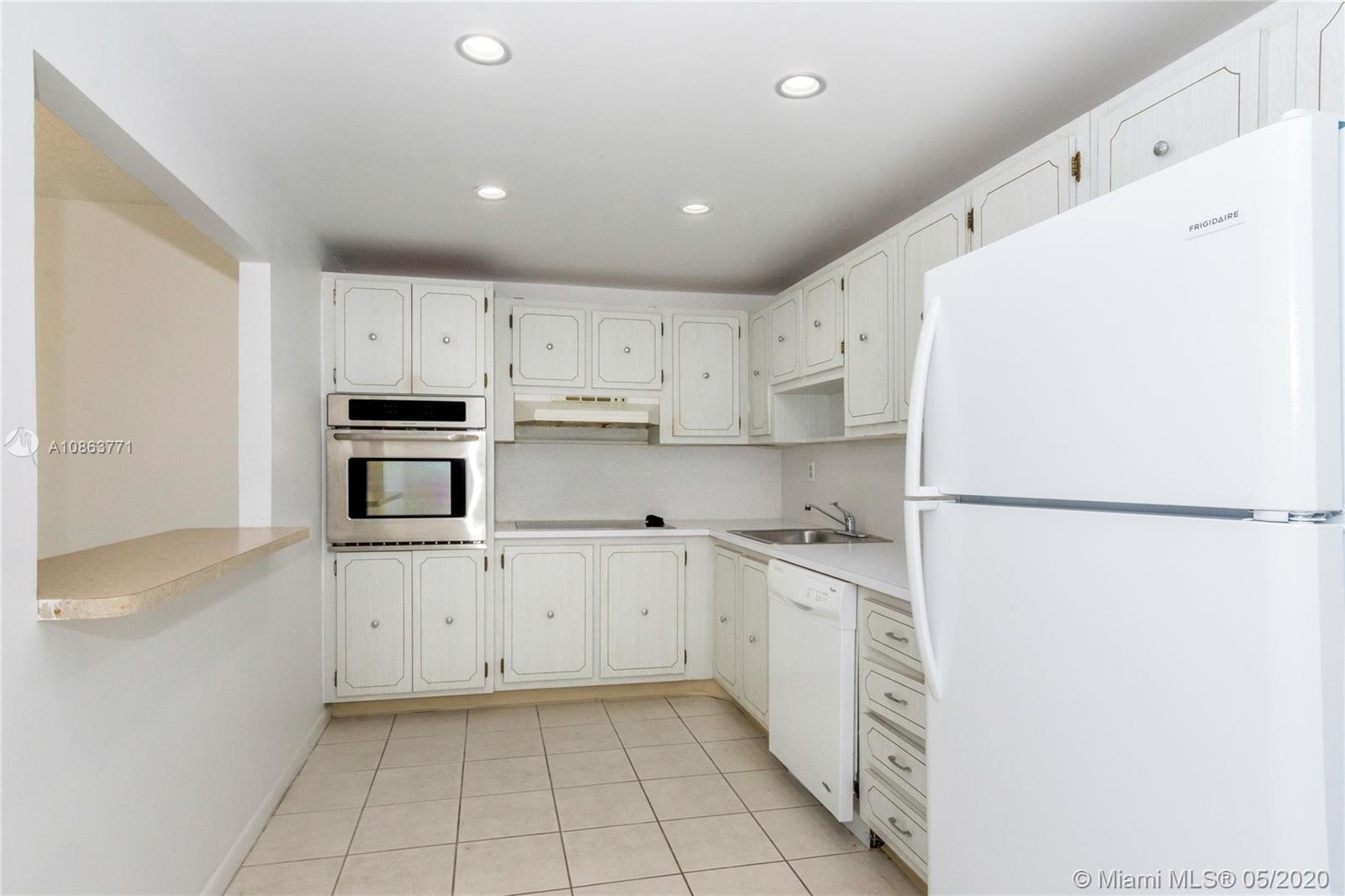 19380 Collins Ave #1125 photo05