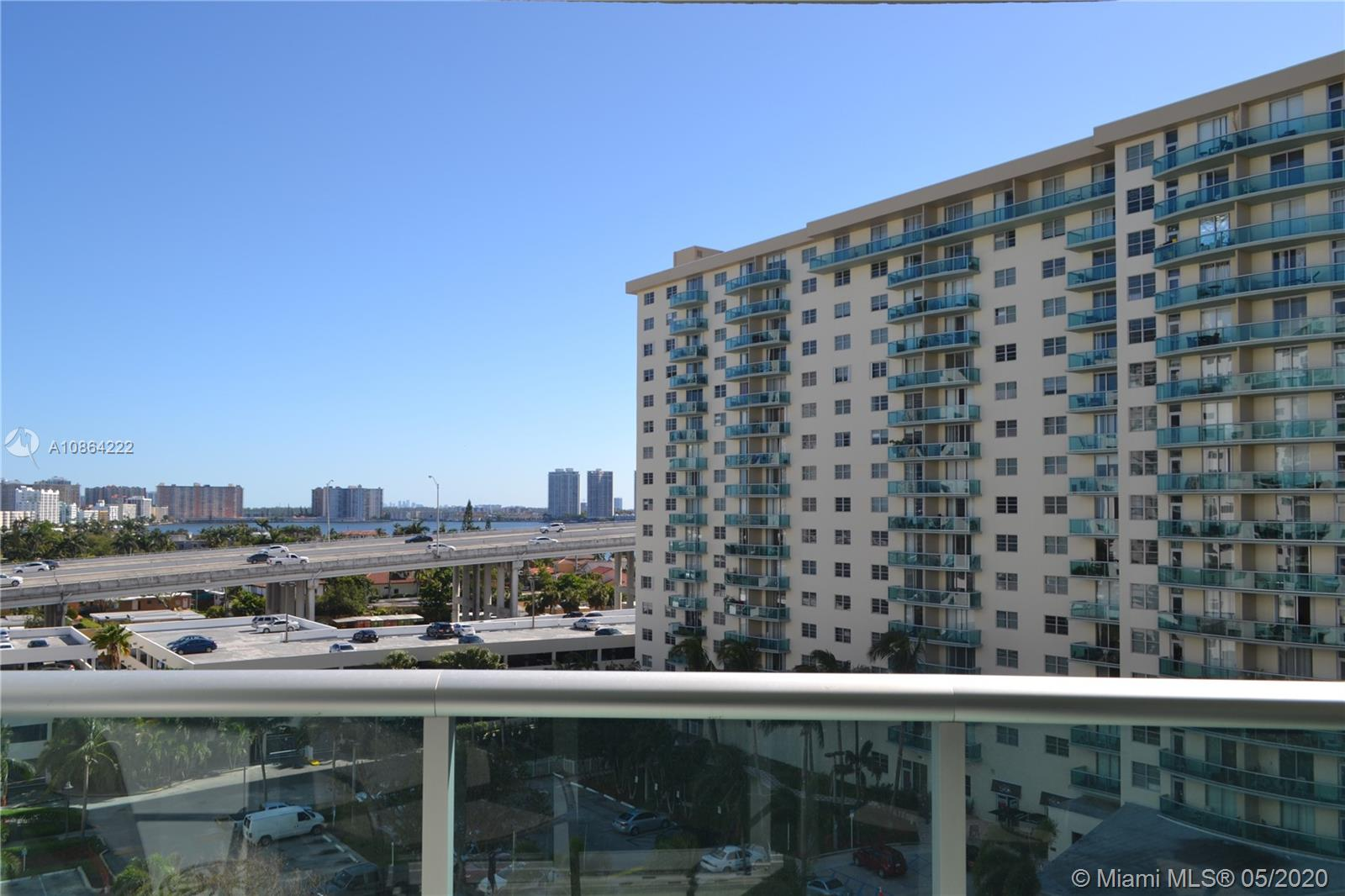 19380 Collins Ave #825 photo02