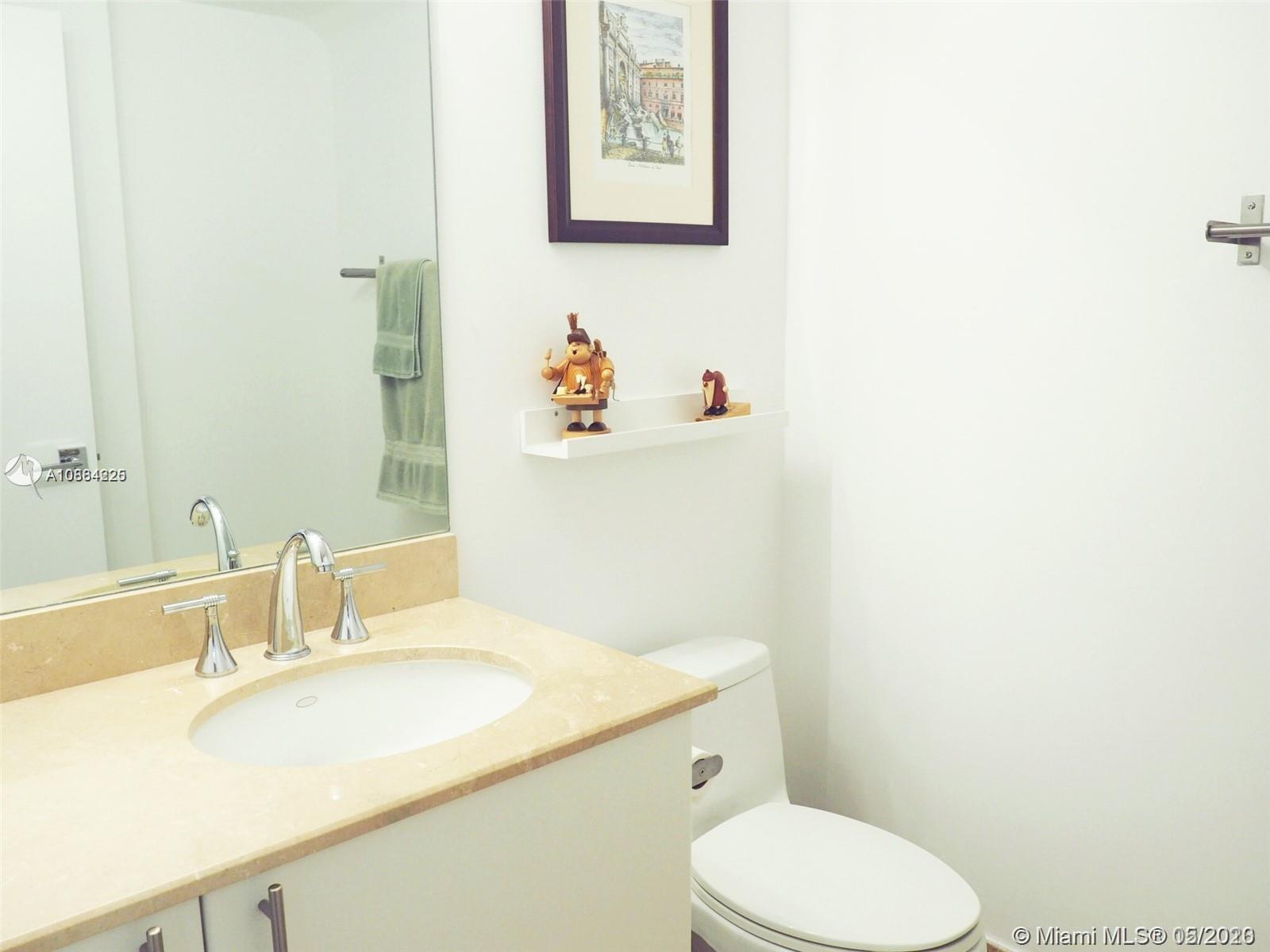 3030 NE 188th St #306 photo014