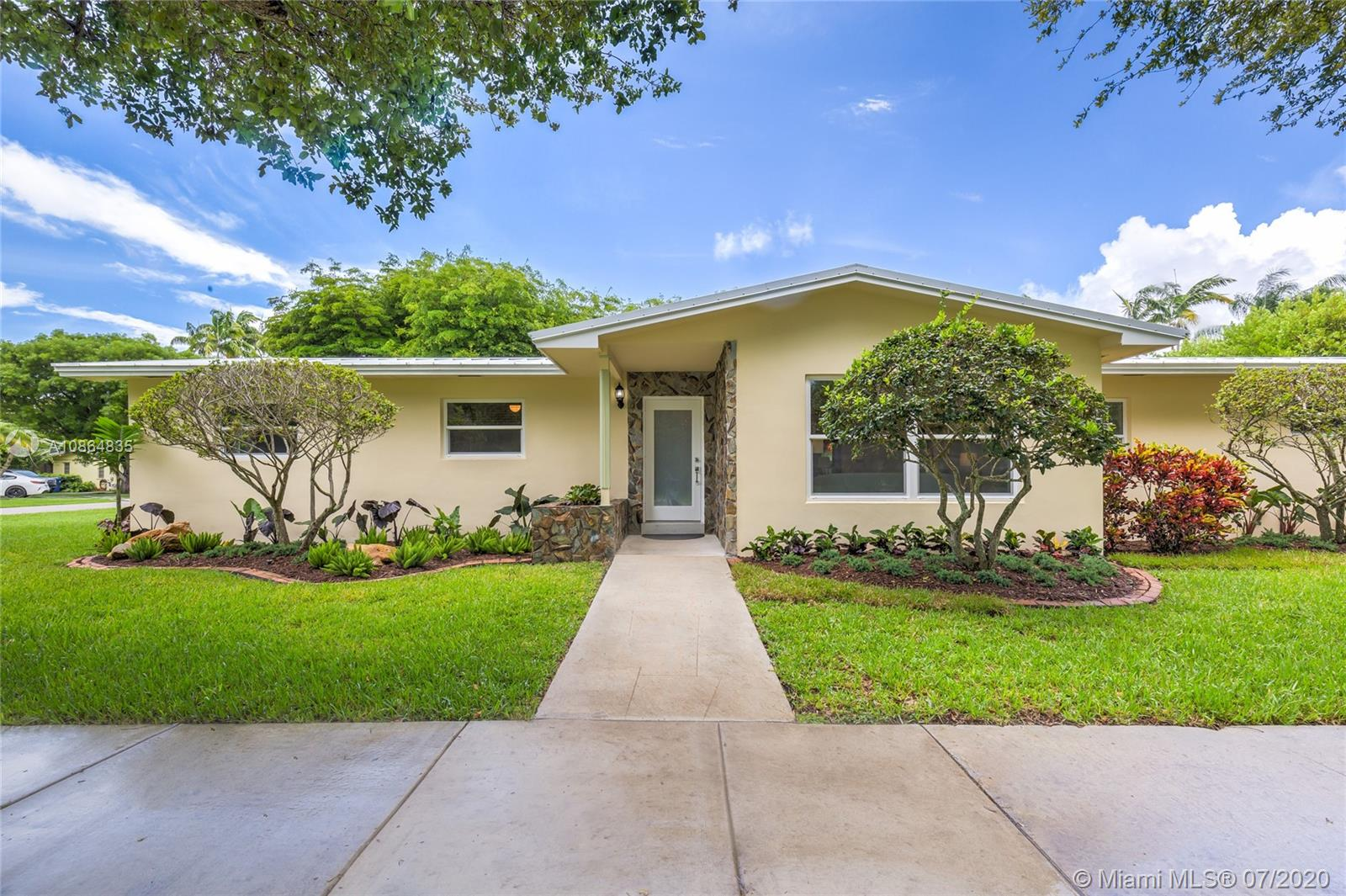 9600 SW 72nd Ct, Pinecrest, Florida 33156, 3 Bedrooms Bedrooms, ,2 BathroomsBathrooms,Residential,For Sale,9600 SW 72nd Ct,A10864835